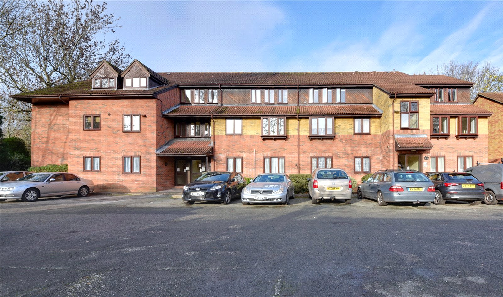 Apartment to rent in Glyn Avenue, New Barnet 3