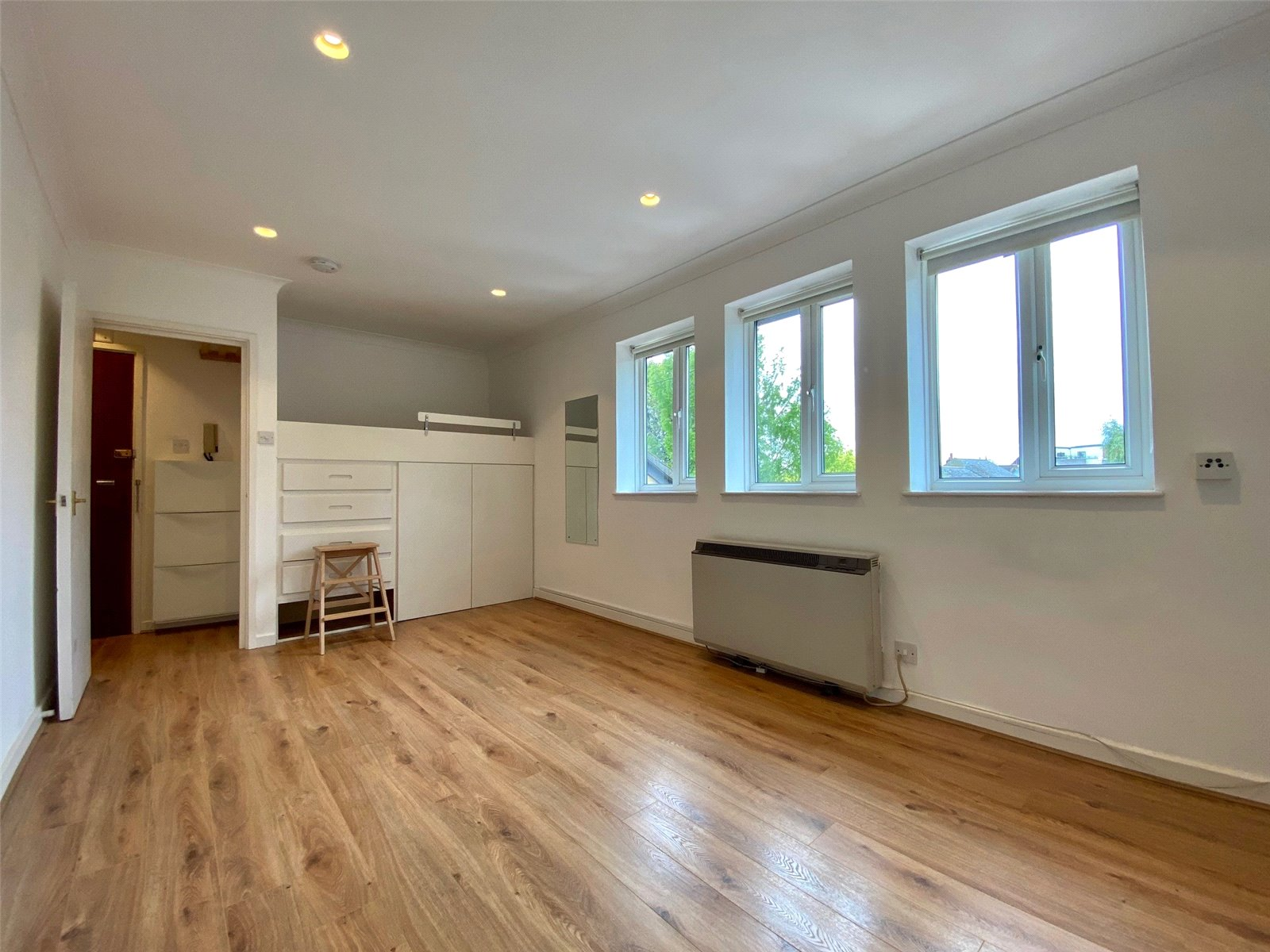 Apartment to rent in Glyn Avenue, New Barnet 1