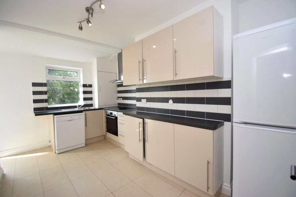 2 bed maisonette to rent in Leslie Road, East Finchley, N2 8