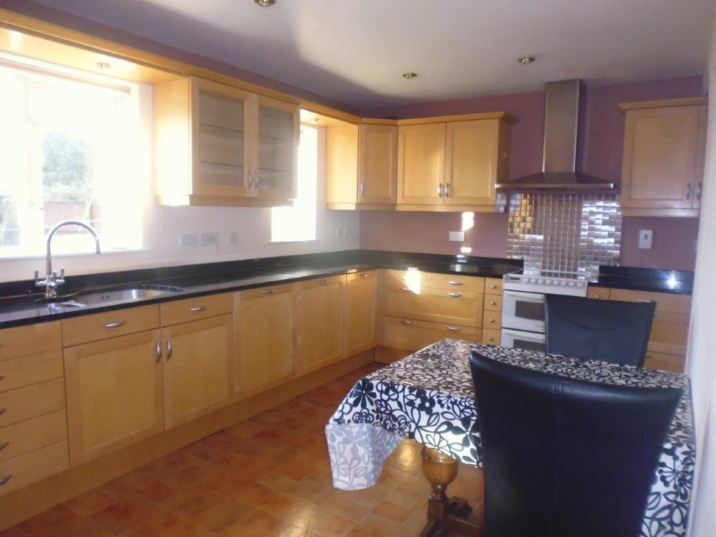 4 bed house to rent in Whitehead Way, Aylesbury  - Property Image 9