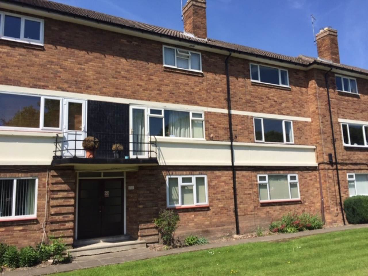 2 bed flat to rent in Walmley, Sutton Coldfield  - Property Image 1