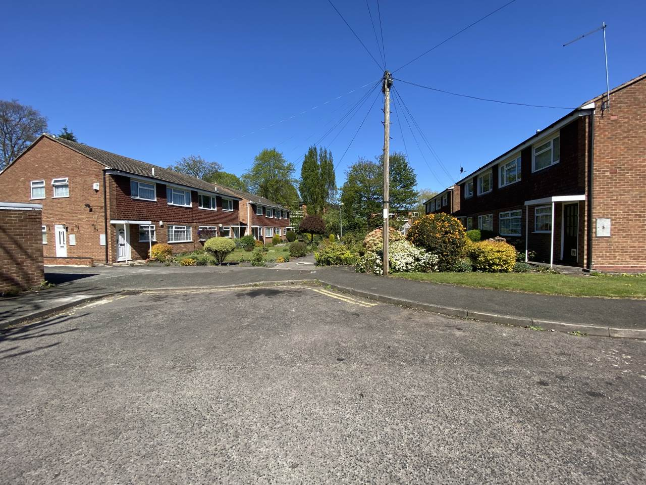 2 bed ground floor maisonette to rent in Kingsmere Close, B24