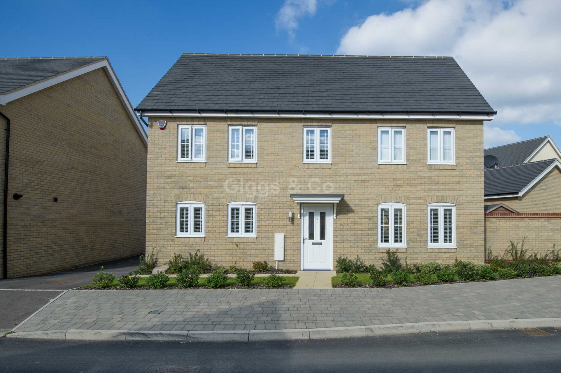 4 bed detached house to rent in Waterland, St. Neots  - Property Image 1