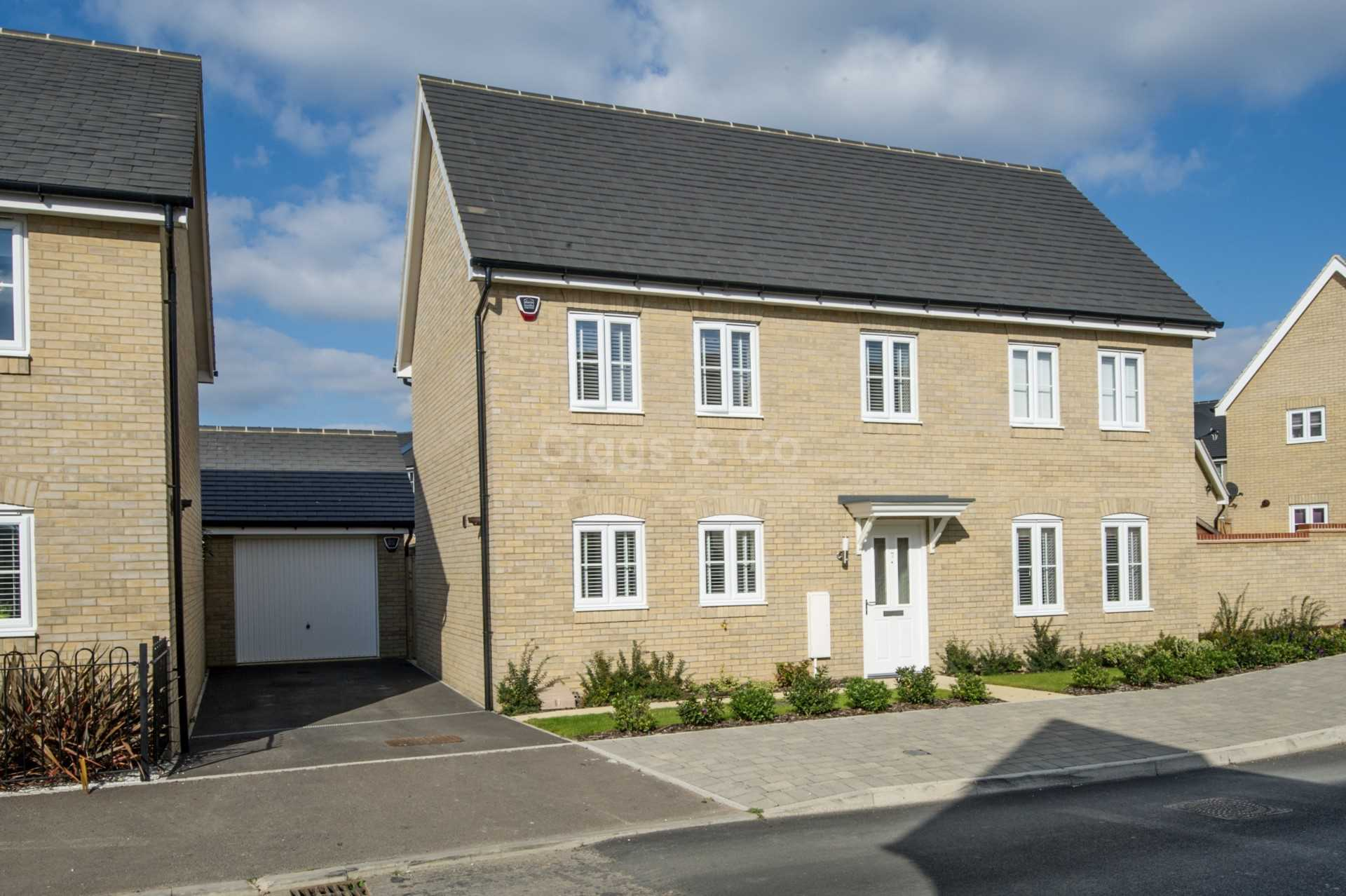 4 bed detached house to rent in Waterland, St. Neots  - Property Image 14