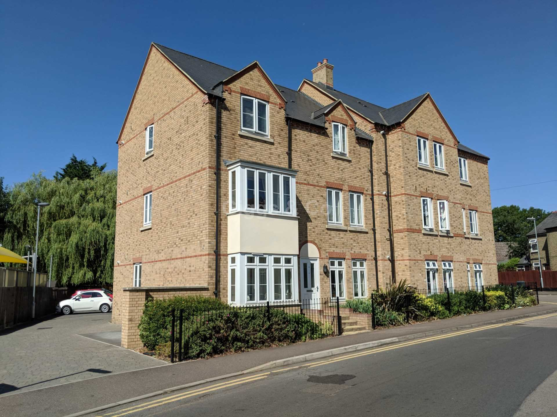 2 bed apartment to rent in Kings Lane, St. Neots, PE19