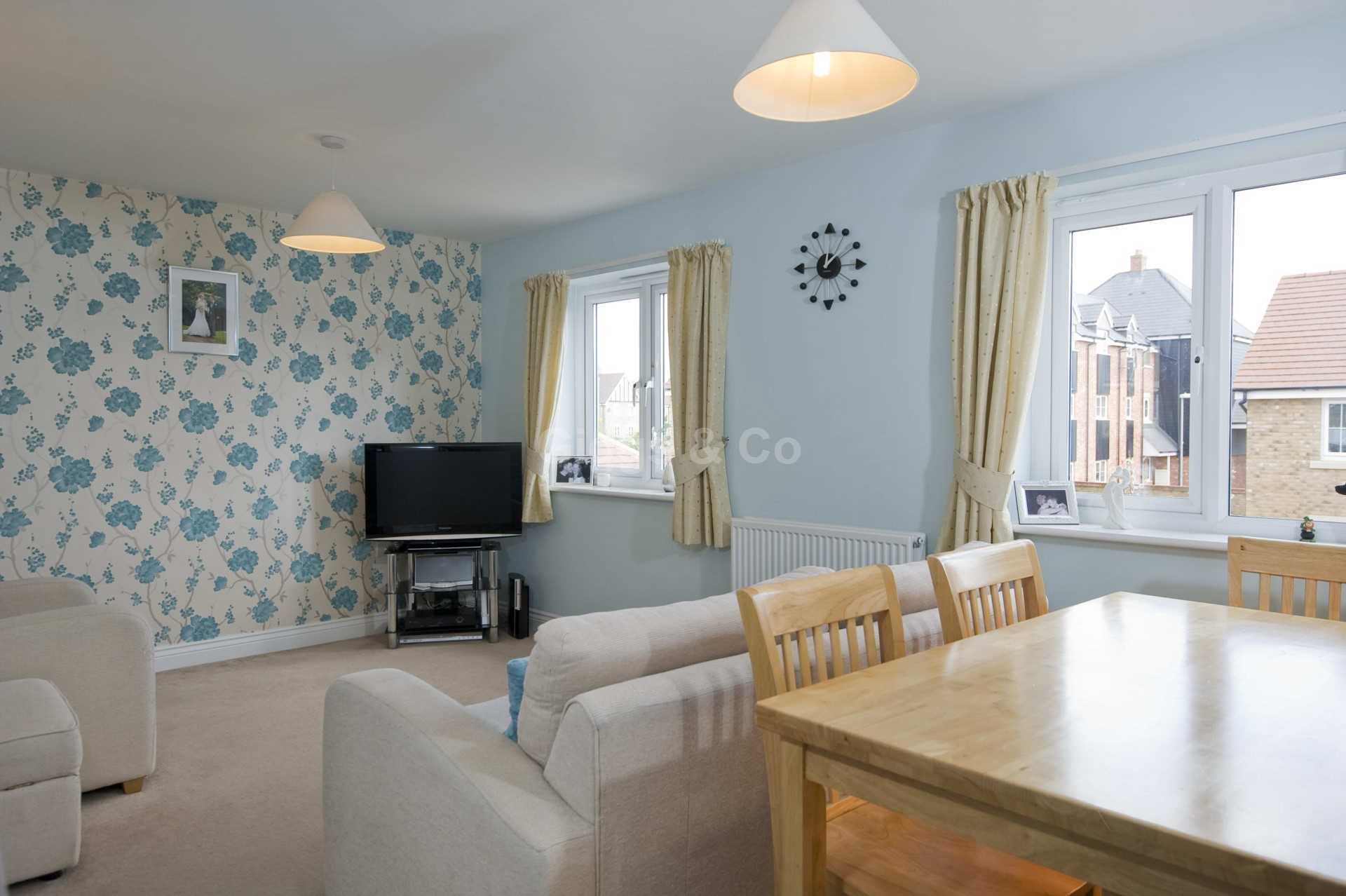2 bed detached house to rent in Middle Ground, St Neots 2