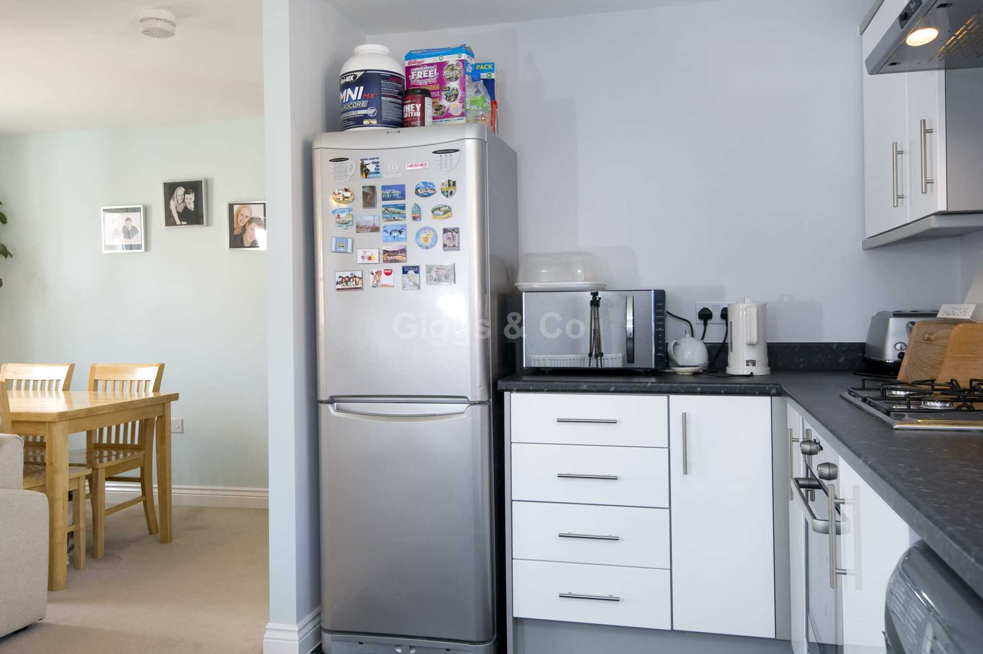 2 bed detached house to rent in Middle Ground, St Neots 4