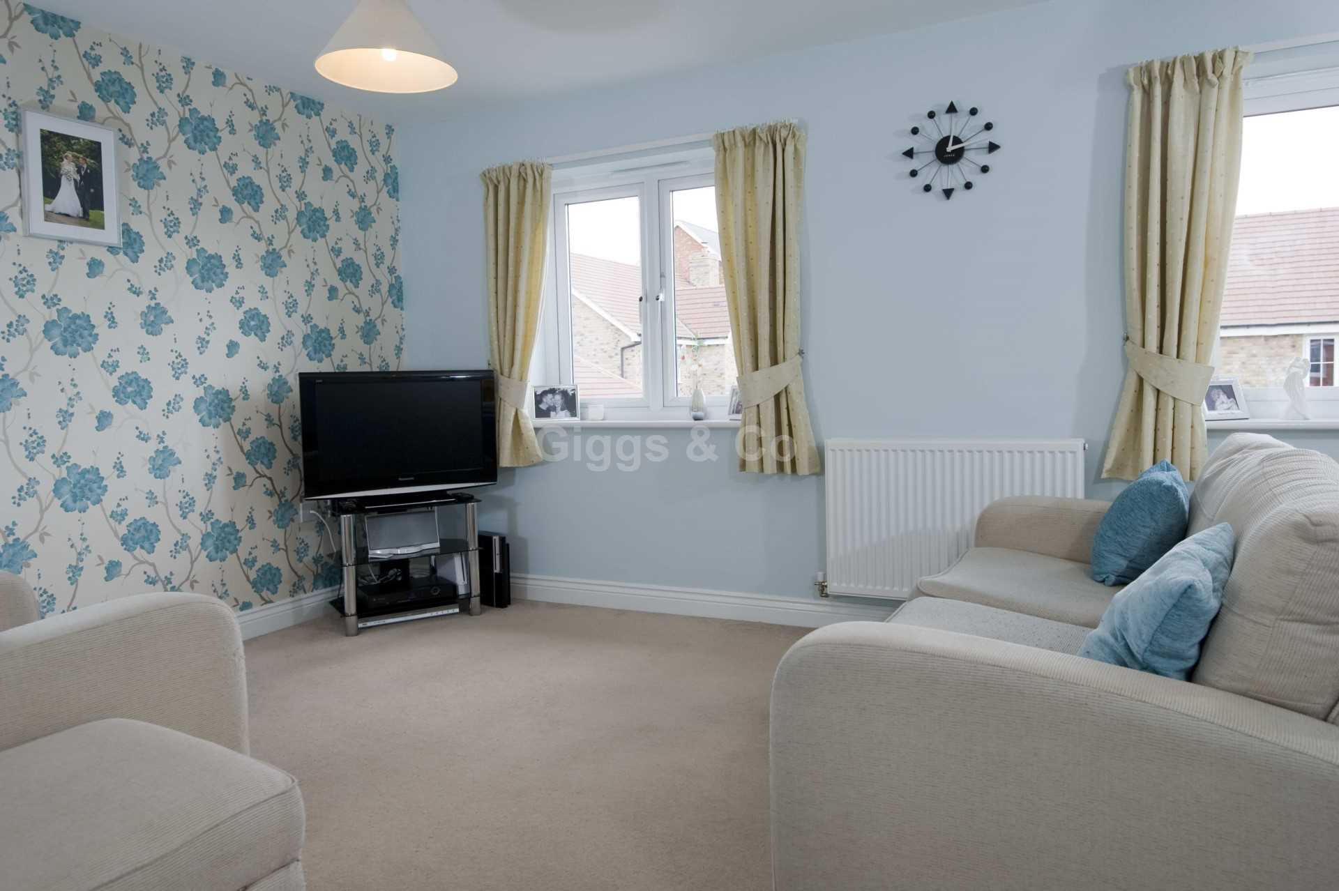 2 bed detached house to rent in Middle Ground, St Neots 8