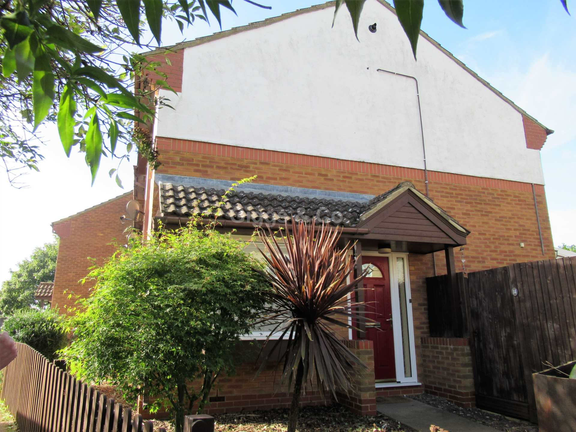 3 bed end-of-terrace-house to rent in Eayre Court, St Neots, PE19