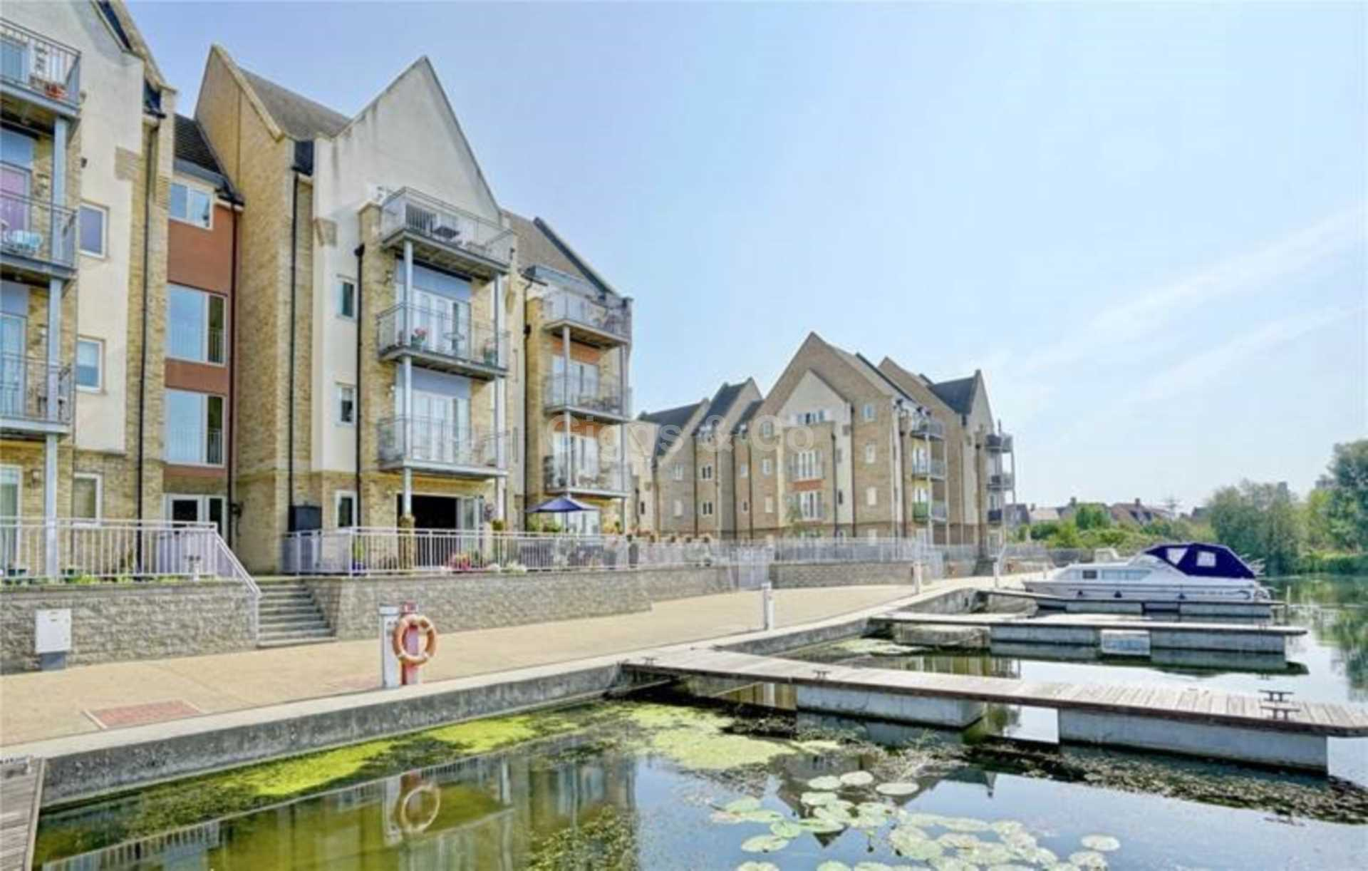 2 bed apartment to rent in Wren Walk, St Neots, PE19