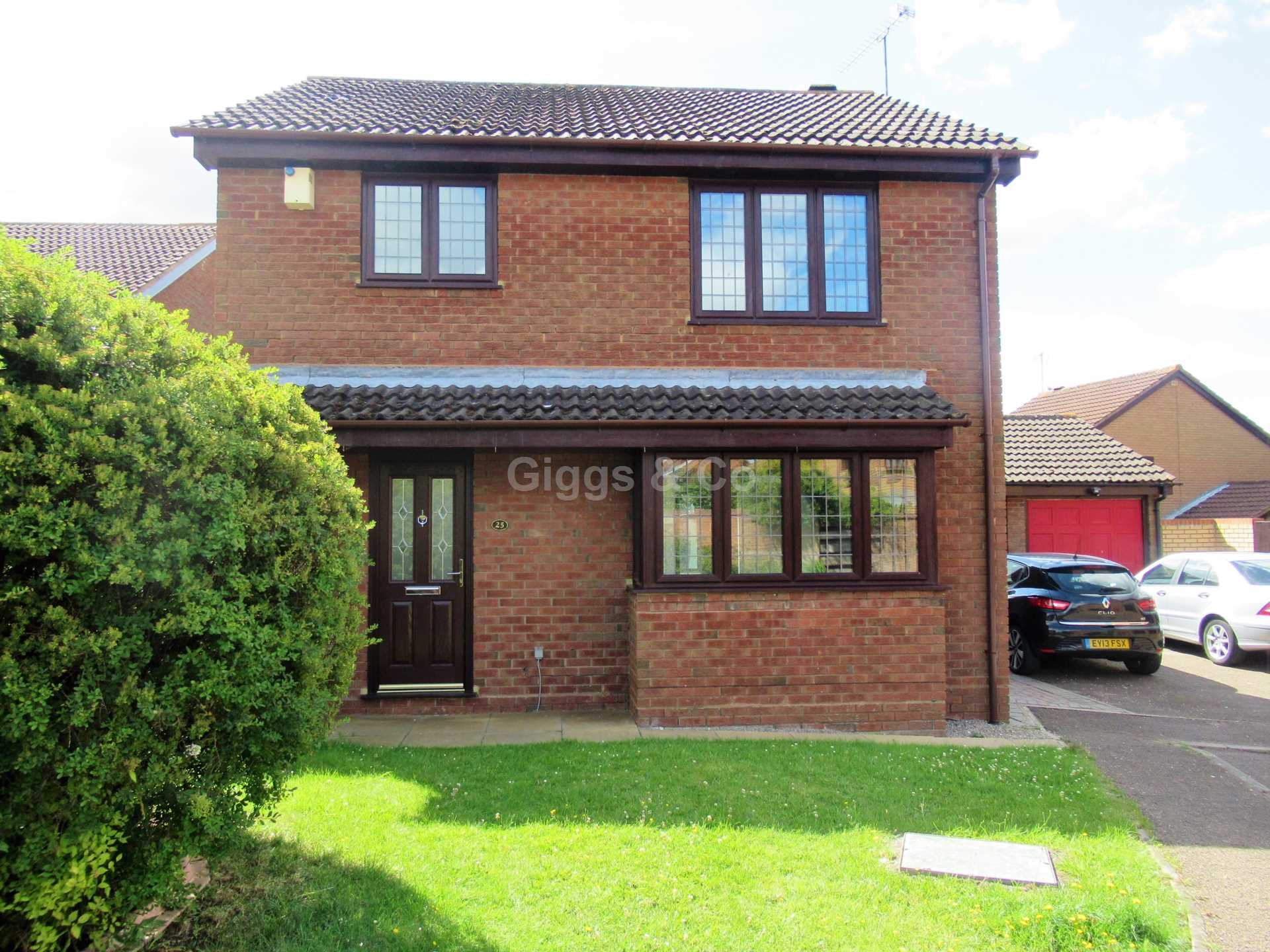 3 bed detached-house to rent in Fernheath, Luton, LU3