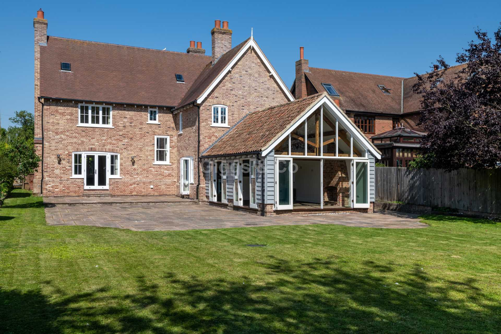 6 bed detached-house to rent in Ermine Street, Great Stukeley, Huntingdon, PE28