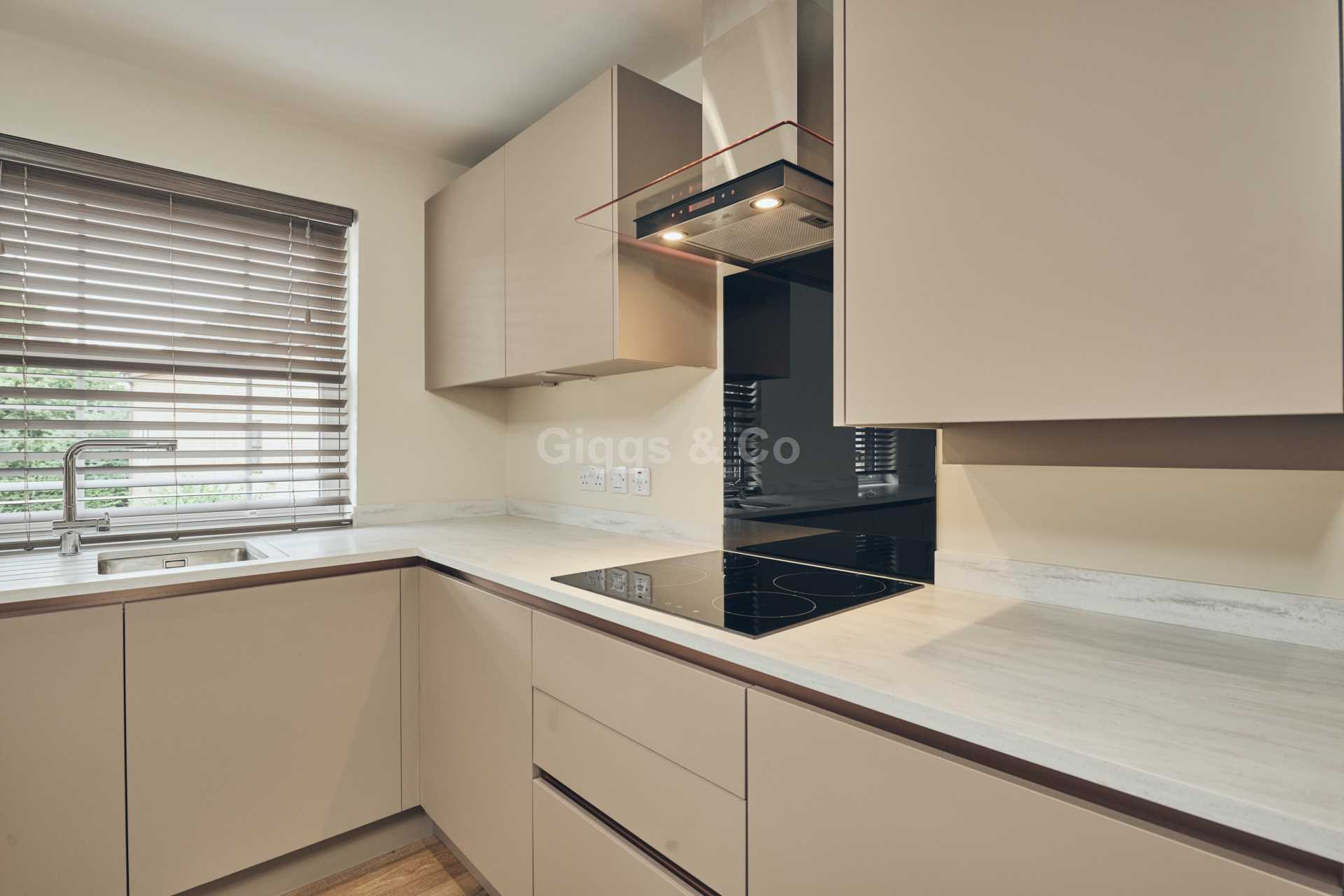 2 bed apartment to rent in East Street, St Ives  - Property Image 7