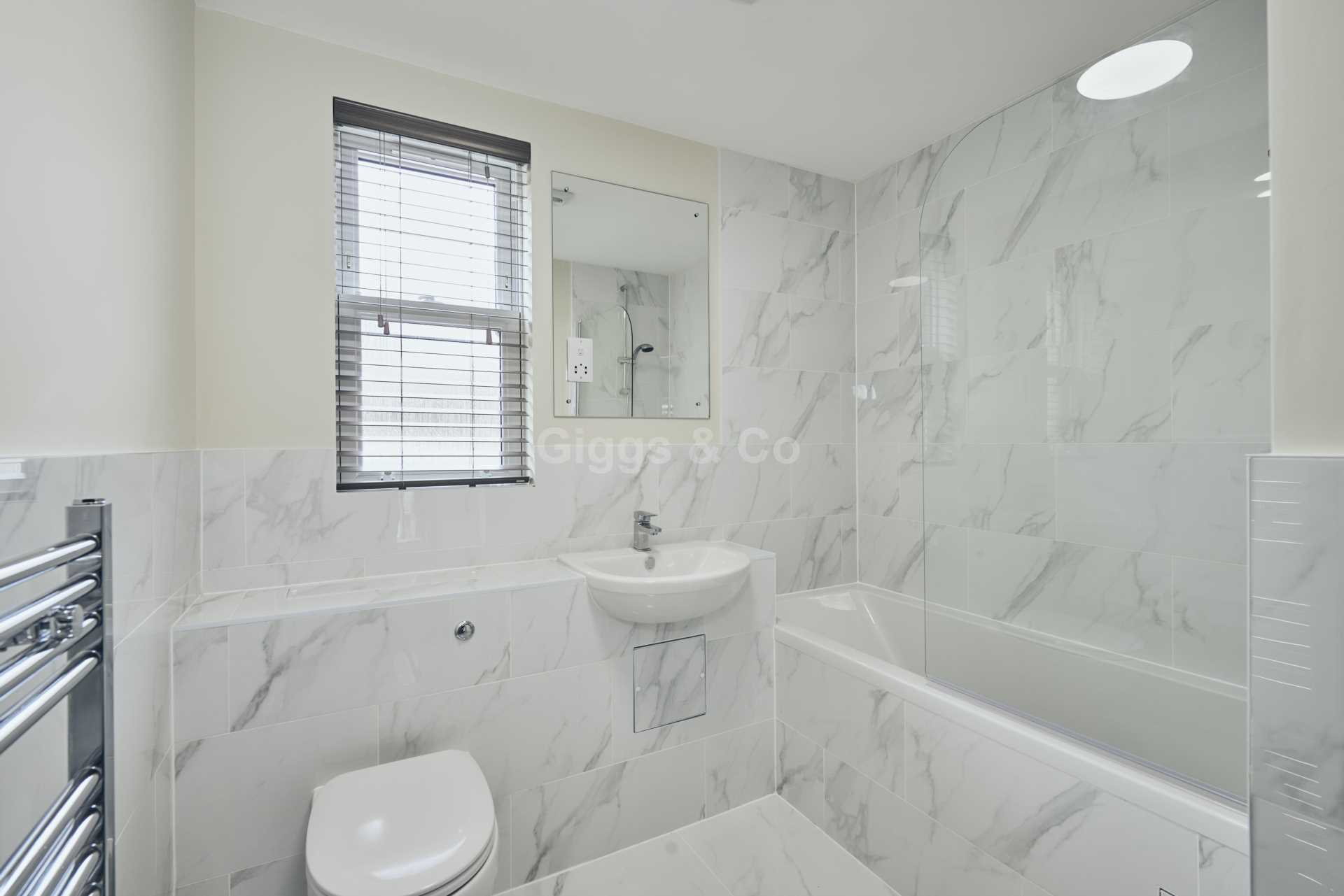 2 bed apartment to rent in East Street, St Ives  - Property Image 15