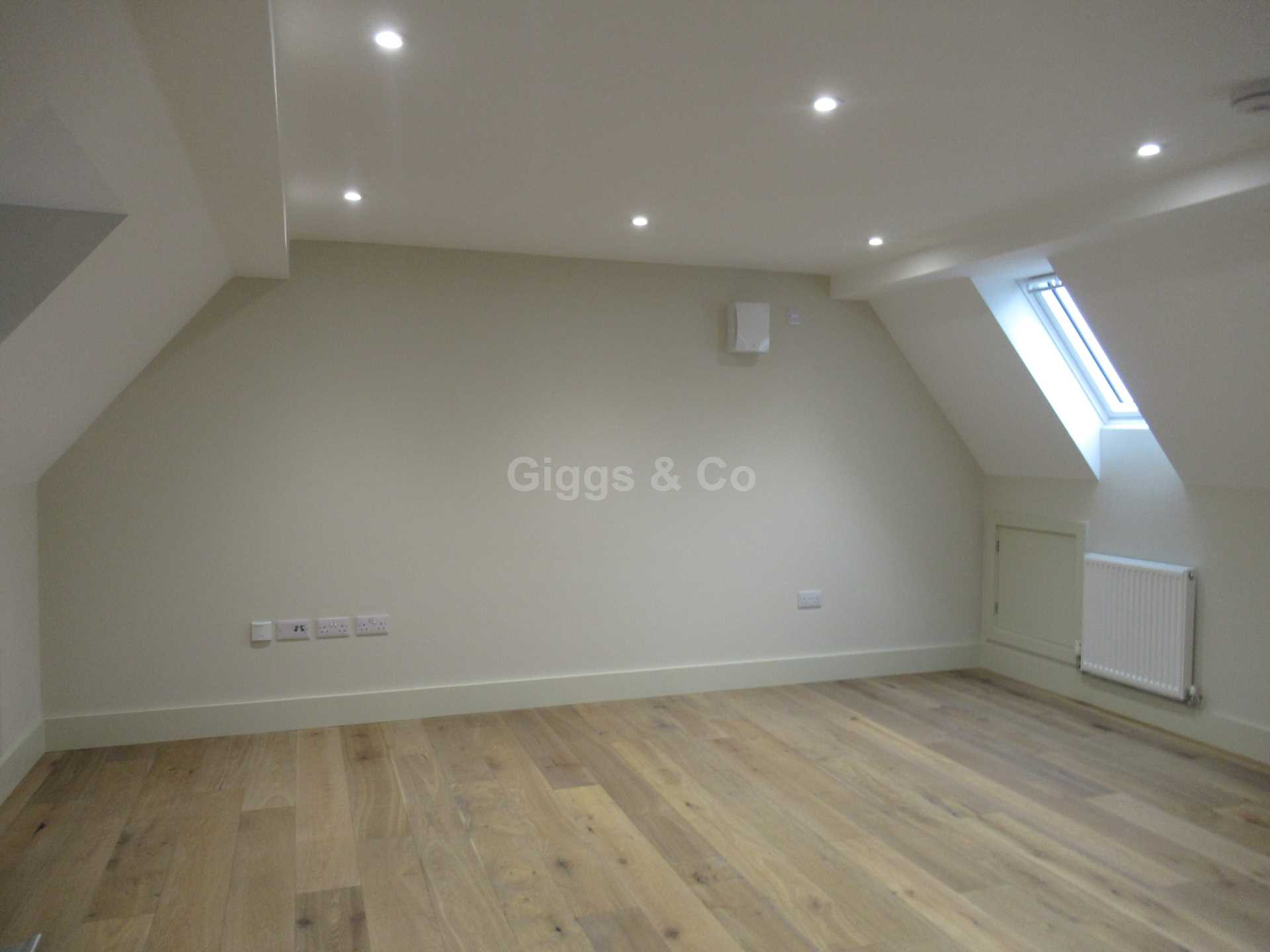 1 bed apartment to rent in East Street, St Ives 2