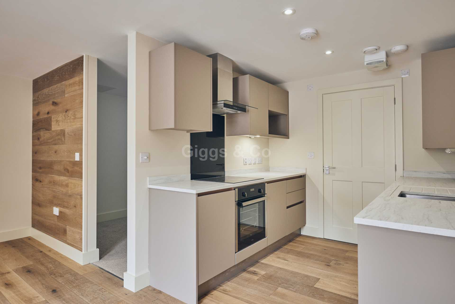 1 bed studio flat to rent in East Street, St.Ives 3