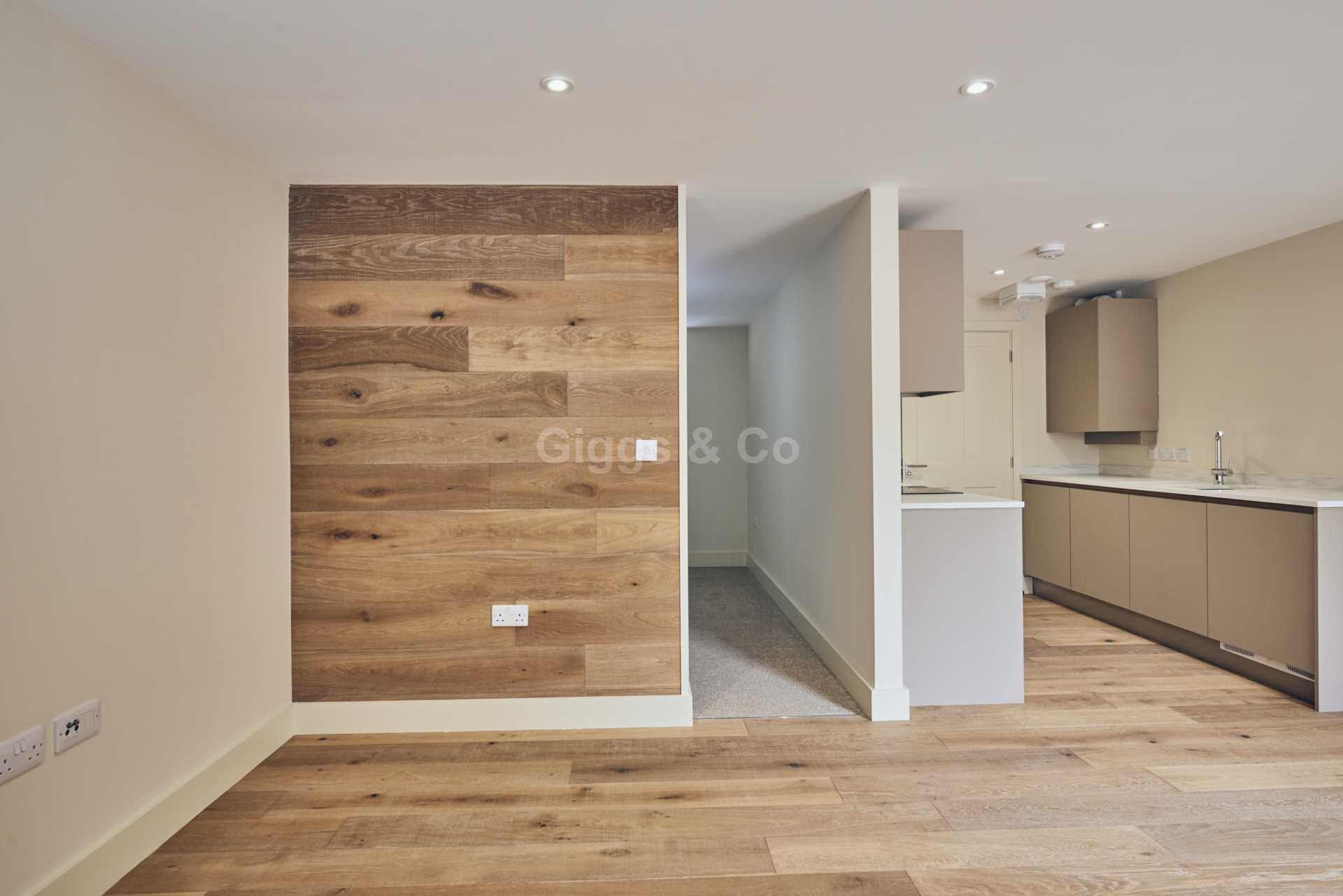 1 bed studio flat to rent in East Street, St.Ives 4