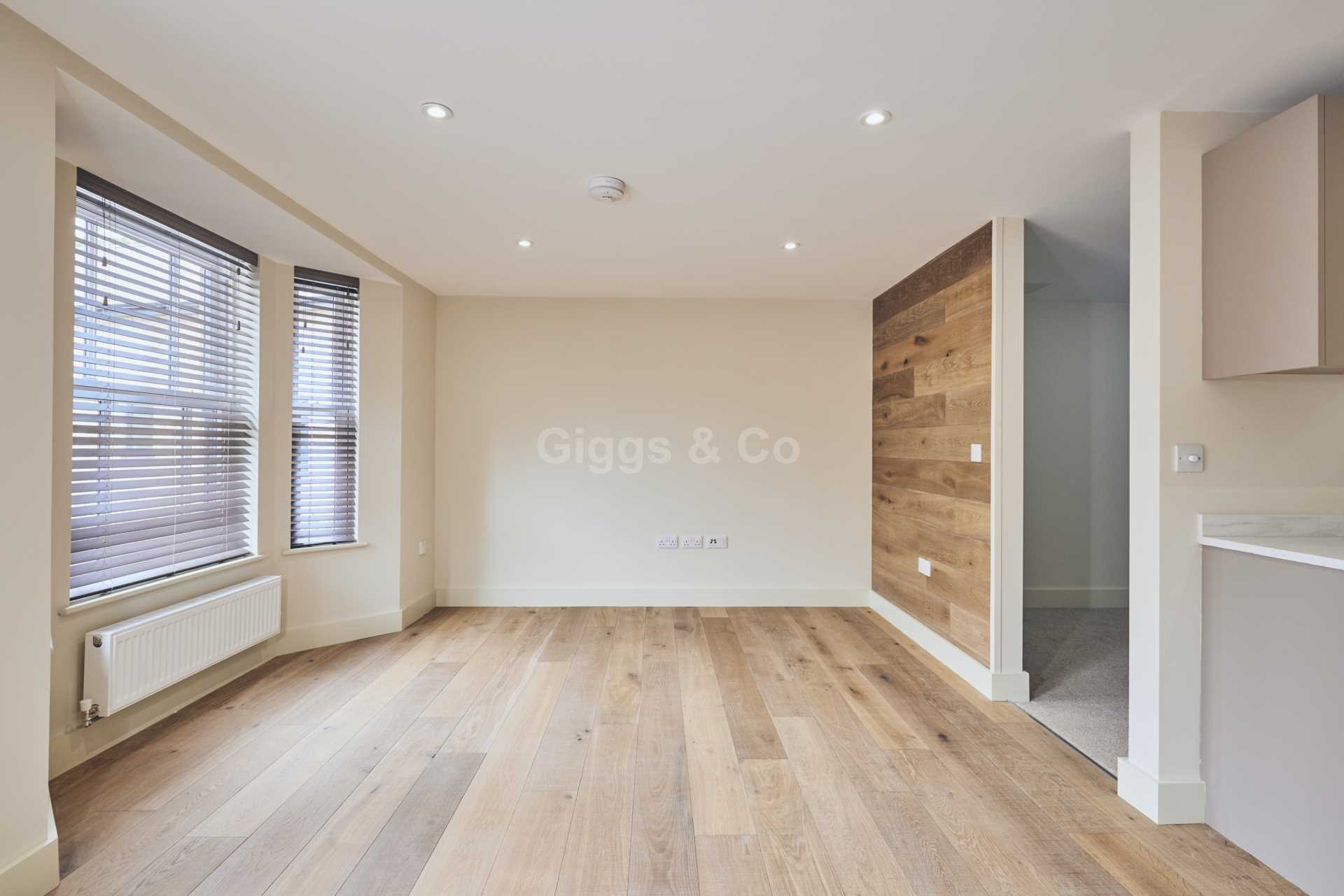 1 bed studio flat to rent in East Street, St.Ives 5