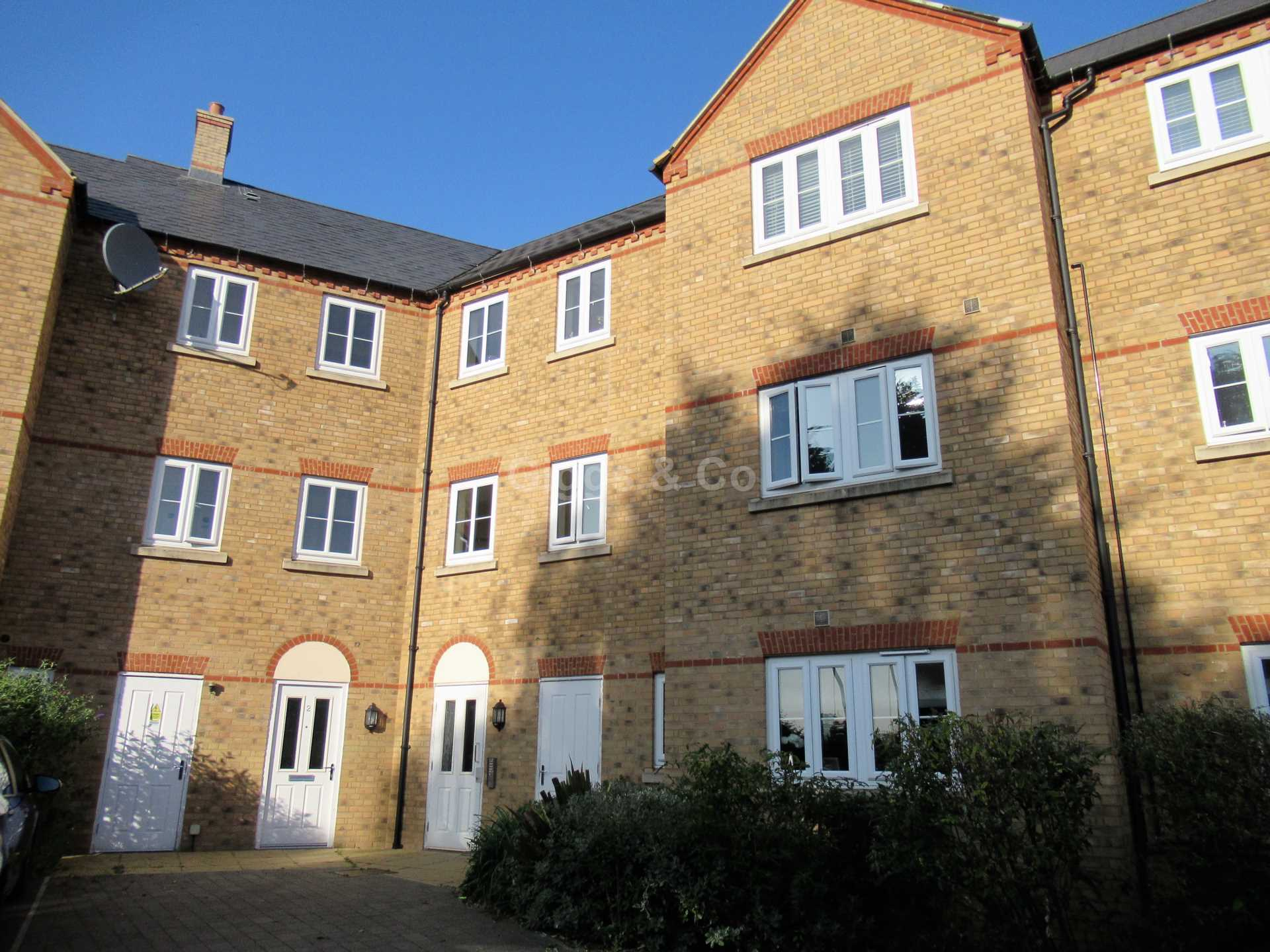 2 bed apartment to rent in Sovereign Court, St Neots, PE19