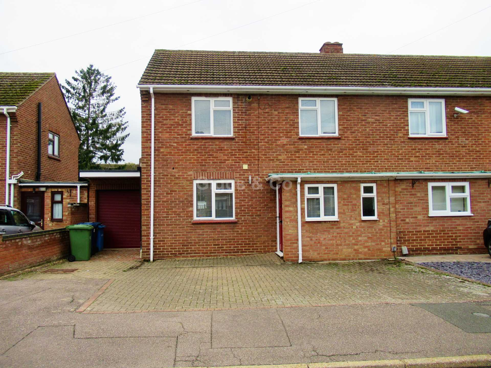 2 bed terraced house to rent in Beech Grove, St.Neots, PE19