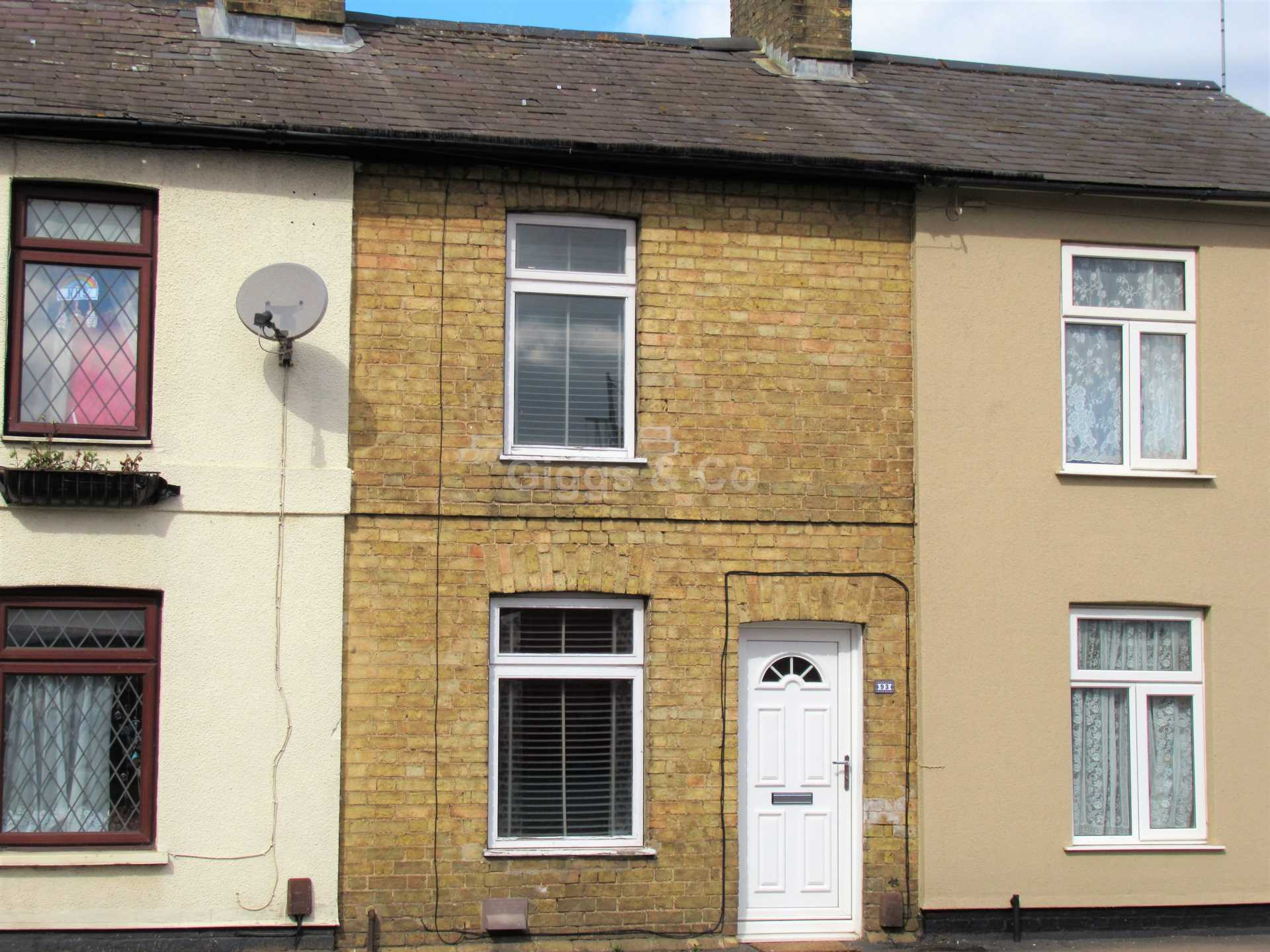 2 bed terraced house to rent in Huntingdon Street St.Neots, St Neots, PE19