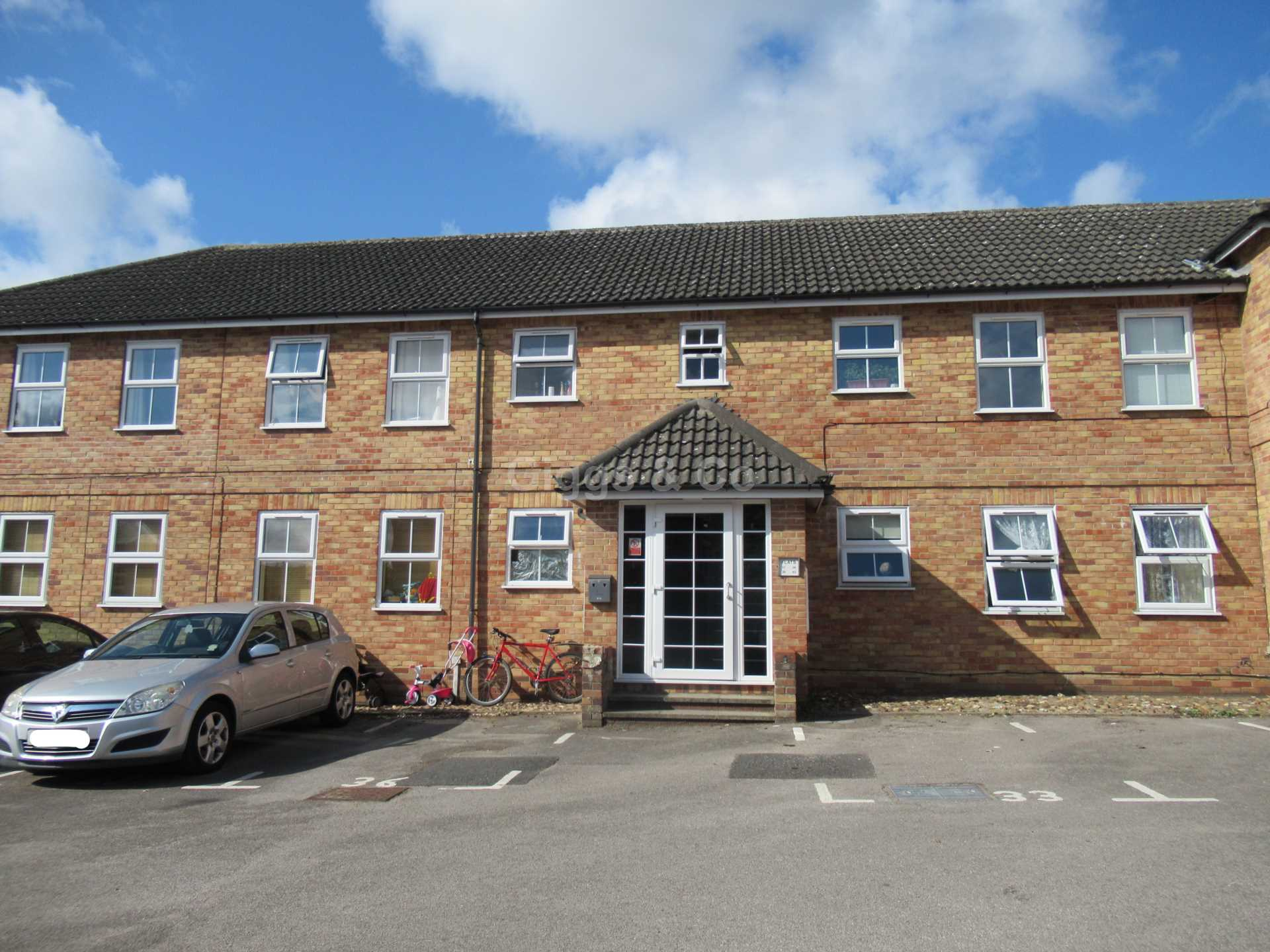 2 bed apartment to rent in Linclare Place, Eaton Socon, PE19