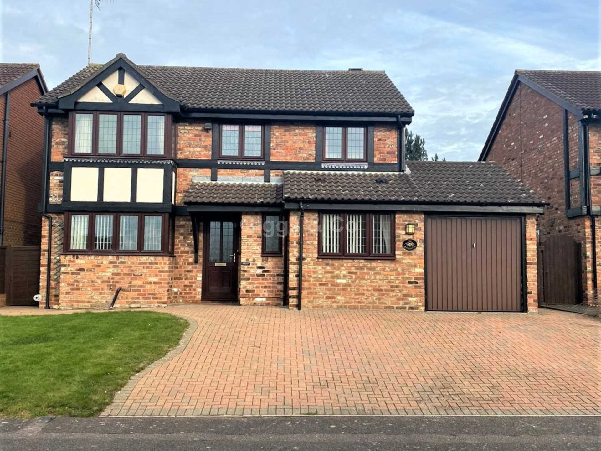 4 bed detached house to rent in Woodmere, Luton, LU3
