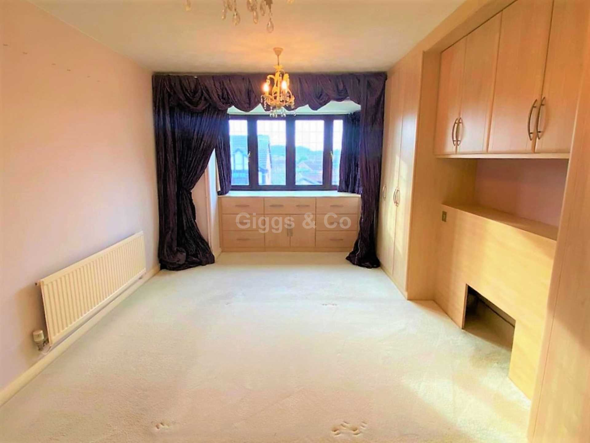 4 bed detached house to rent in Woodmere, Luton 6