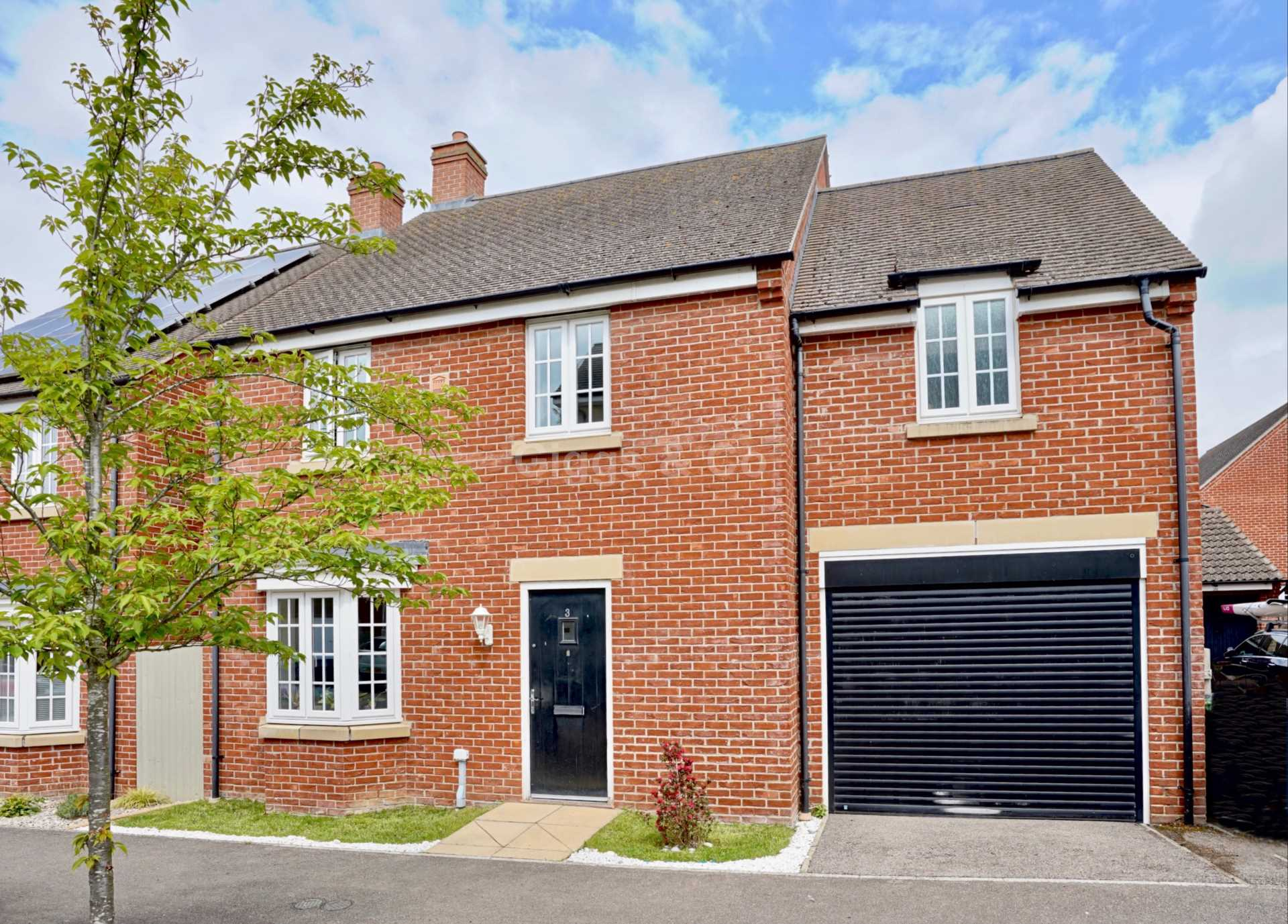 4 bed detached house to rent in Whiston Way, PE19