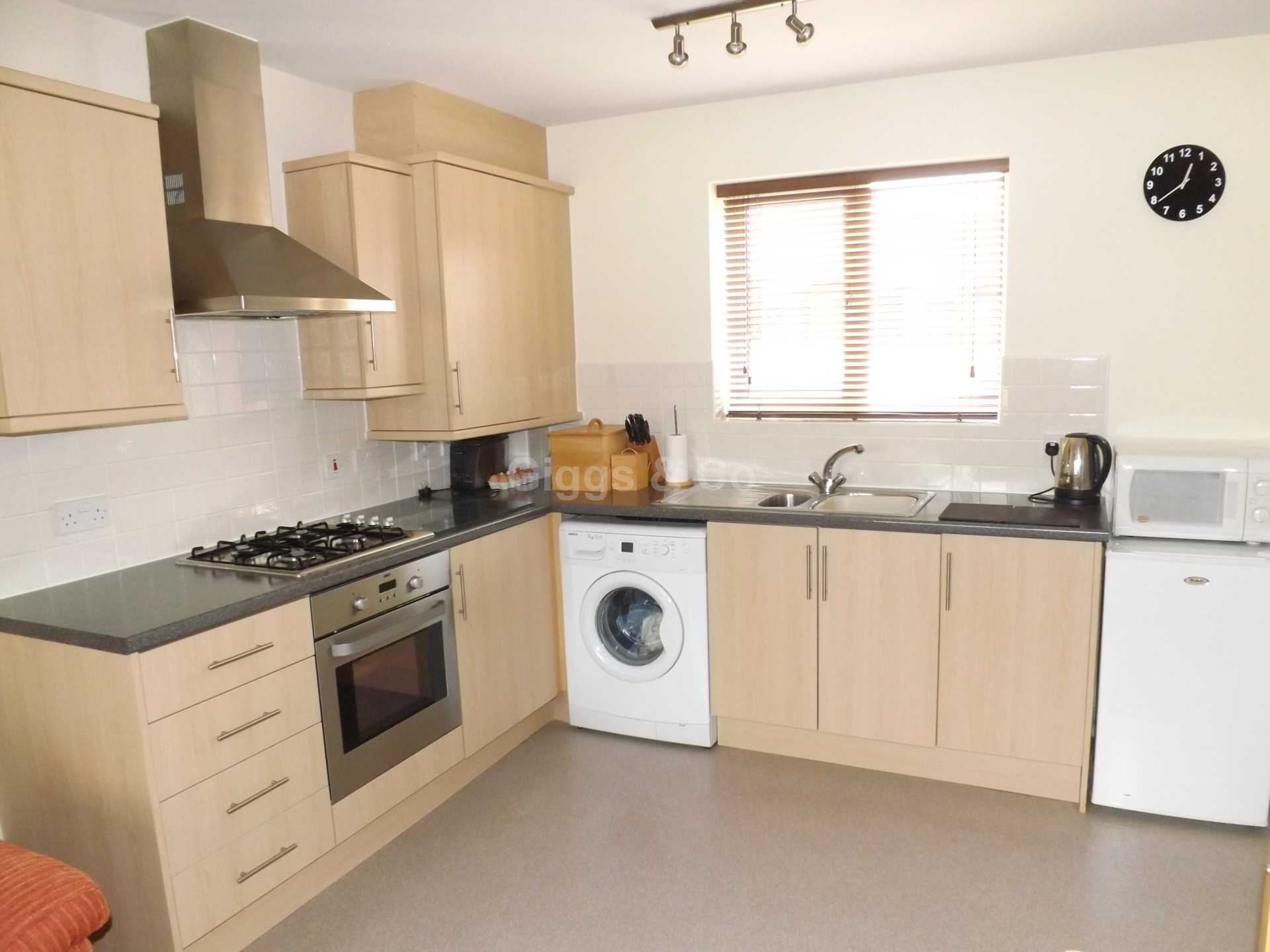 2 bed detached house to rent in The Warren, St Neots 1