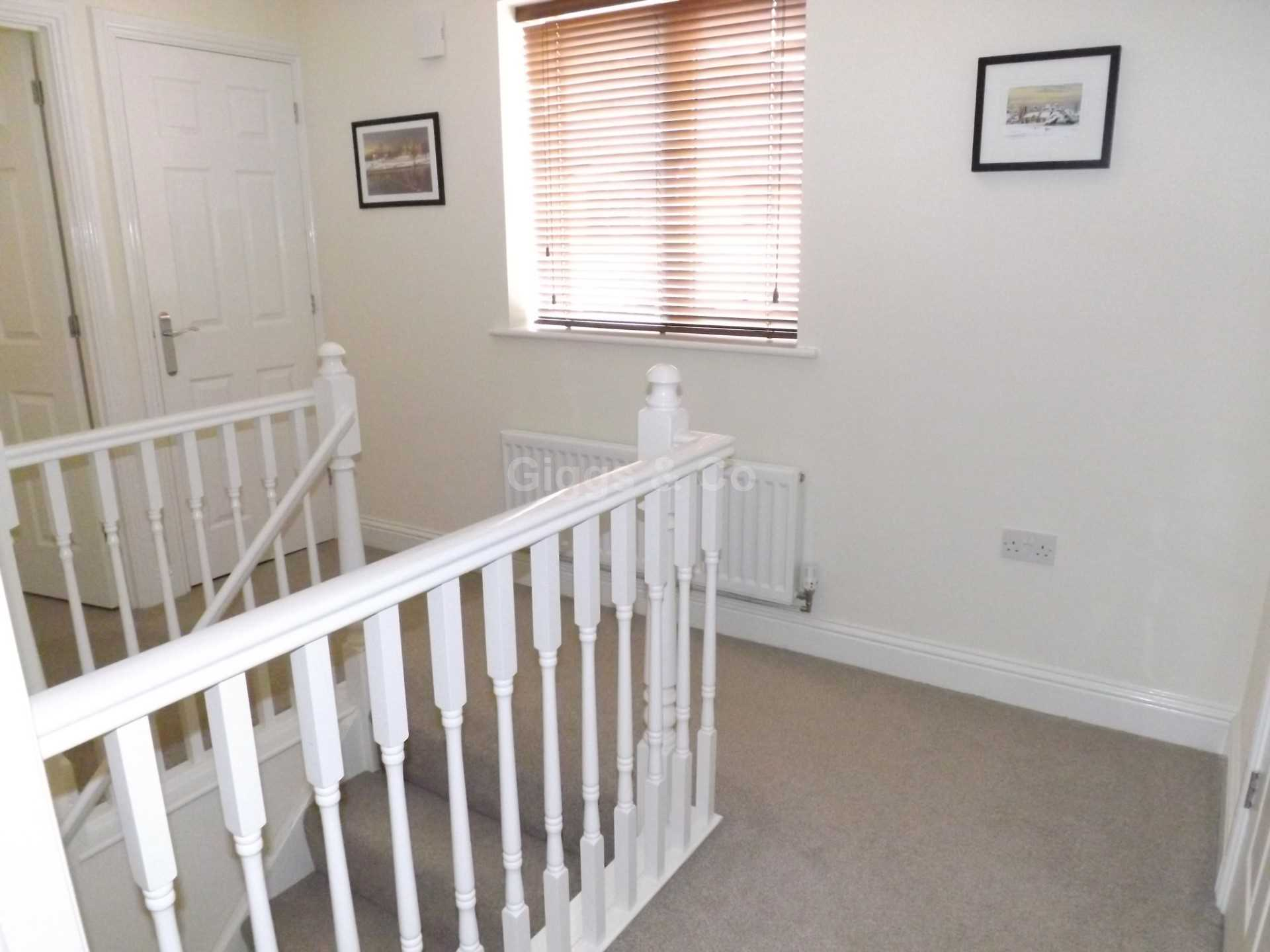2 bed detached house to rent in The Warren, St Neots 2
