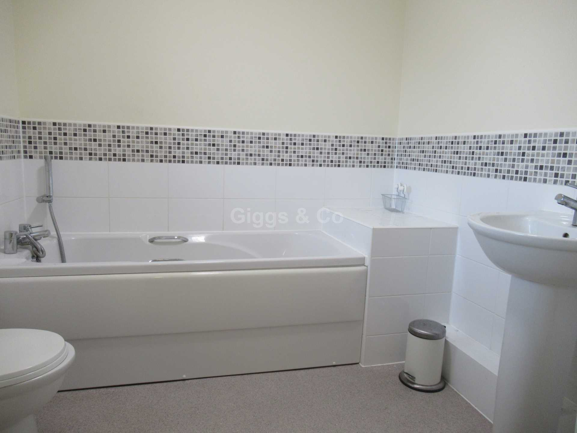 2 bed detached house to rent in The Warren, St Neots 5