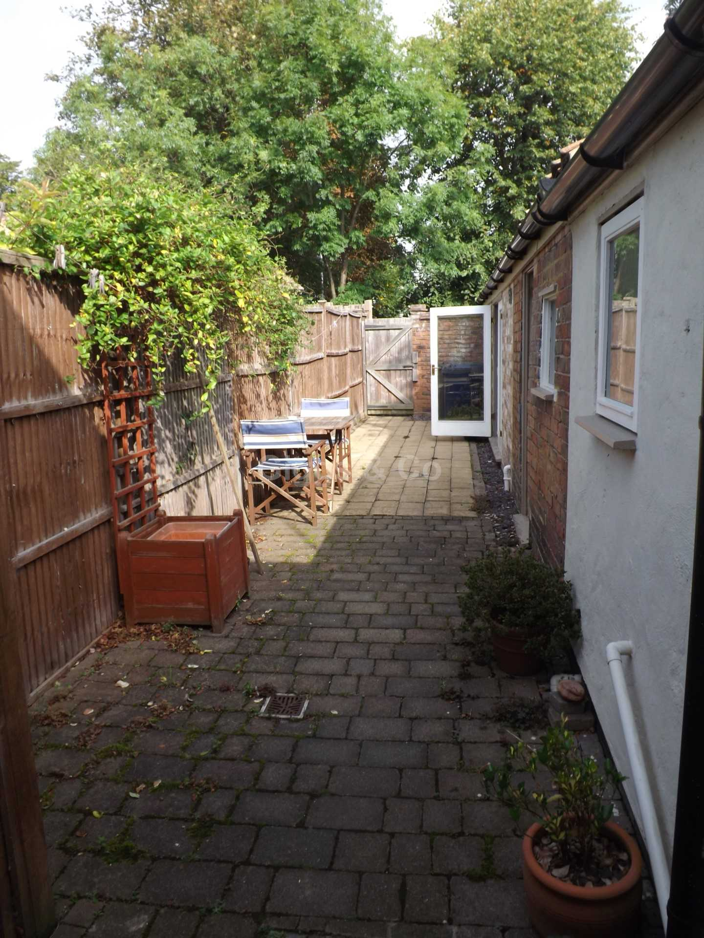 2 bed end-of-terrace-house to rent in Cambridge Street, St Neots  - Property Image 5