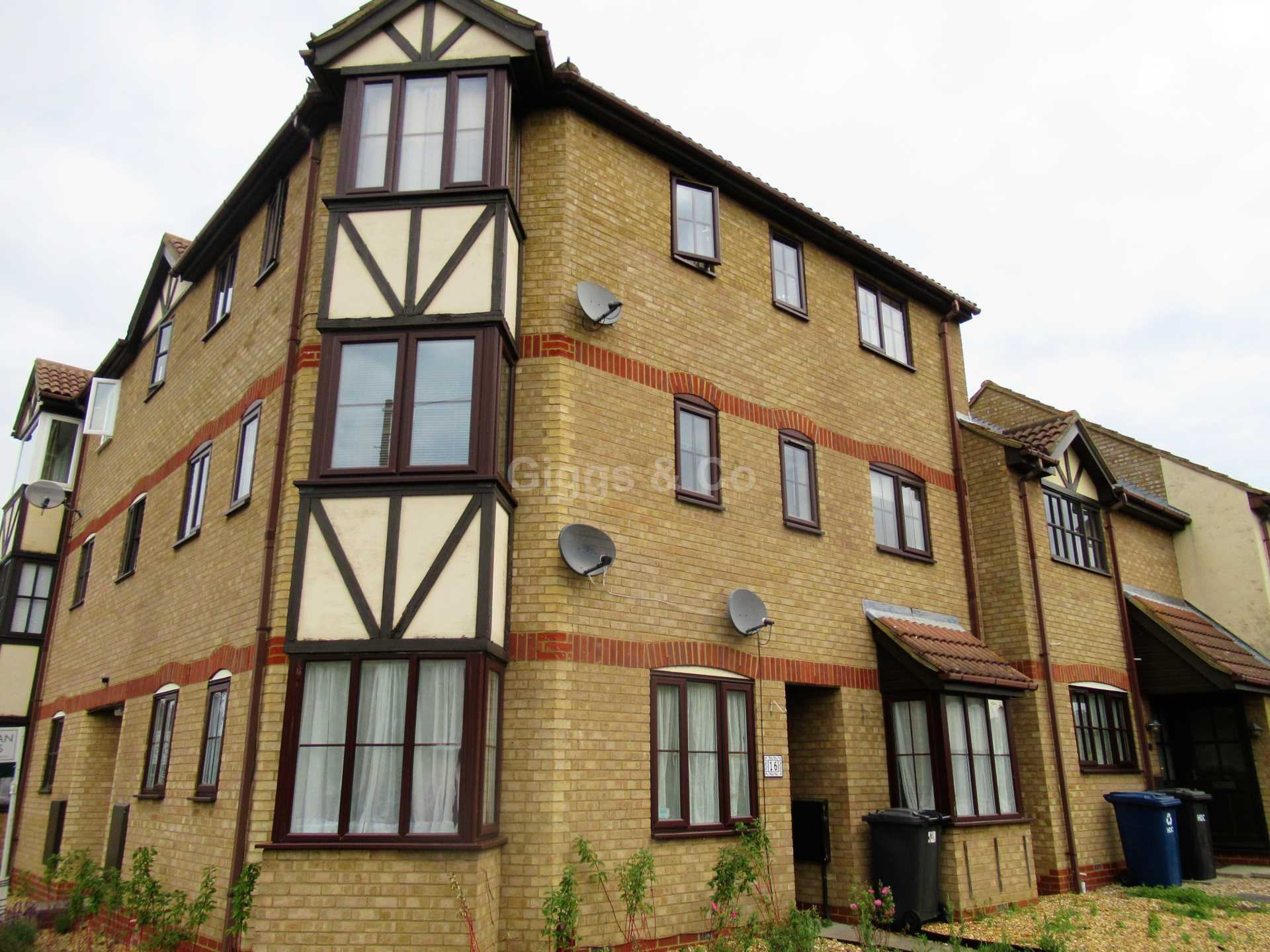 2 bed apartment to rent in Cromwell Court, Eynesbury, PE19