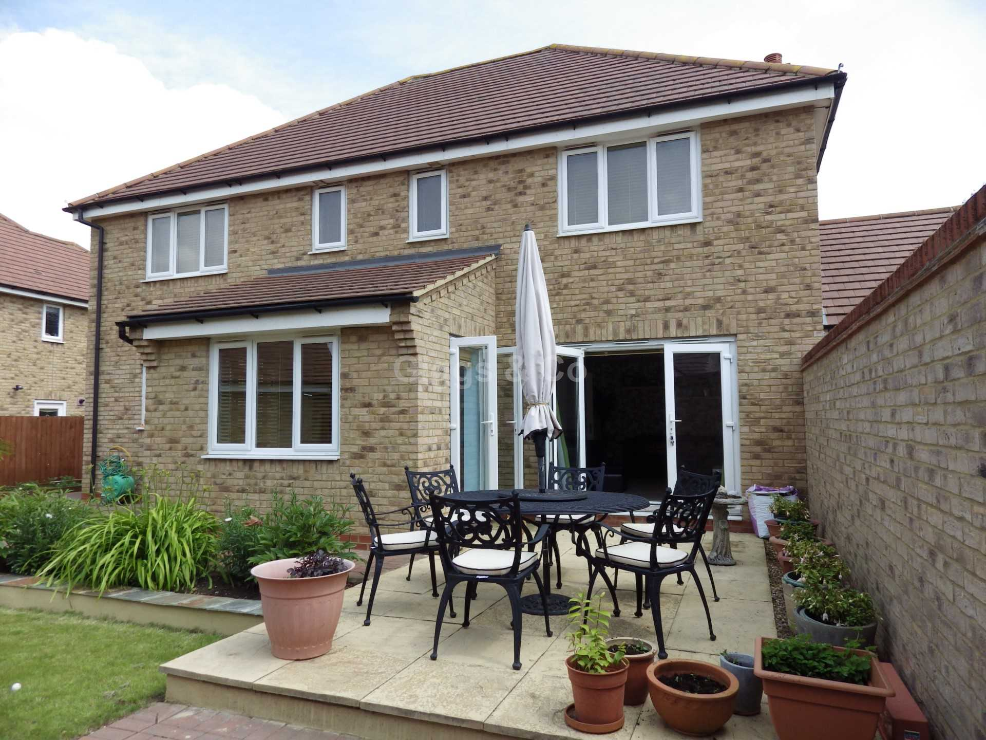 5 bed detached house to rent in Stone Hill, St Neots, PE19