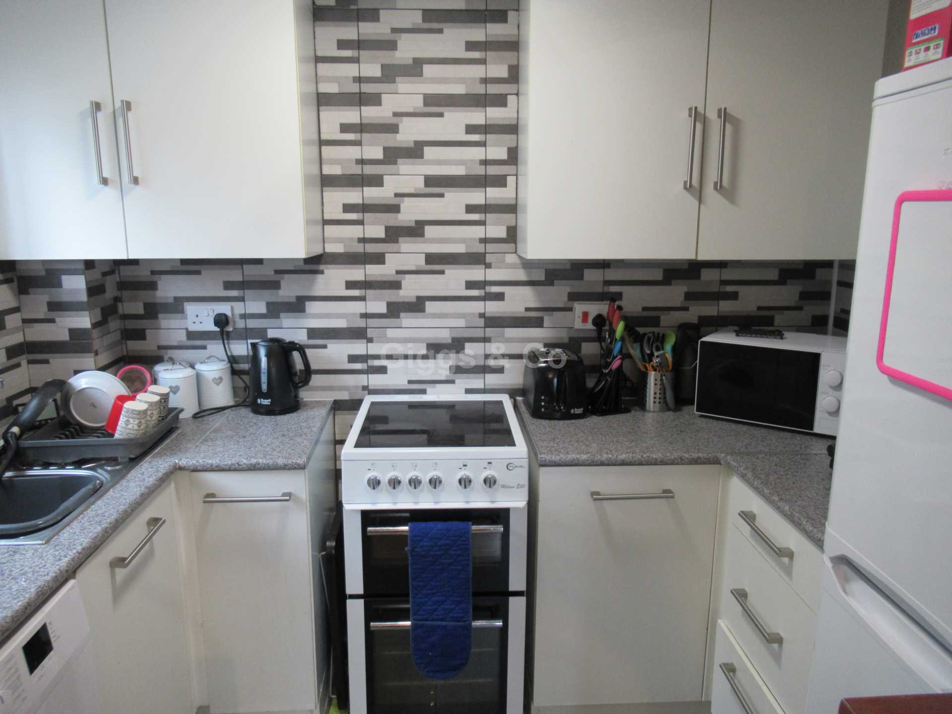 1 bed flat to rent in Burwell Road, Eaton Ford 1