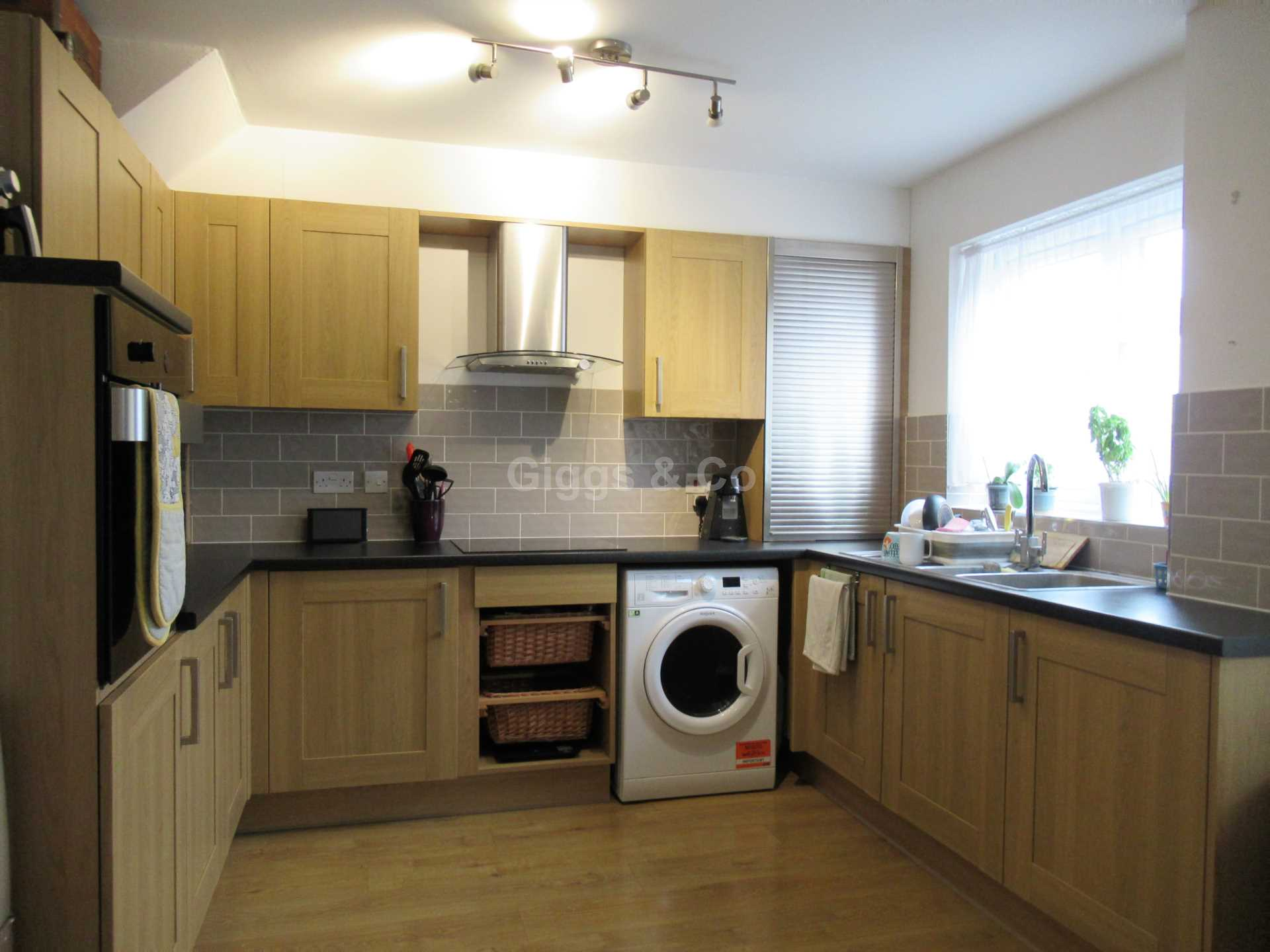 3 bed house to rent in Simpkin Close, Eaton Socon 2