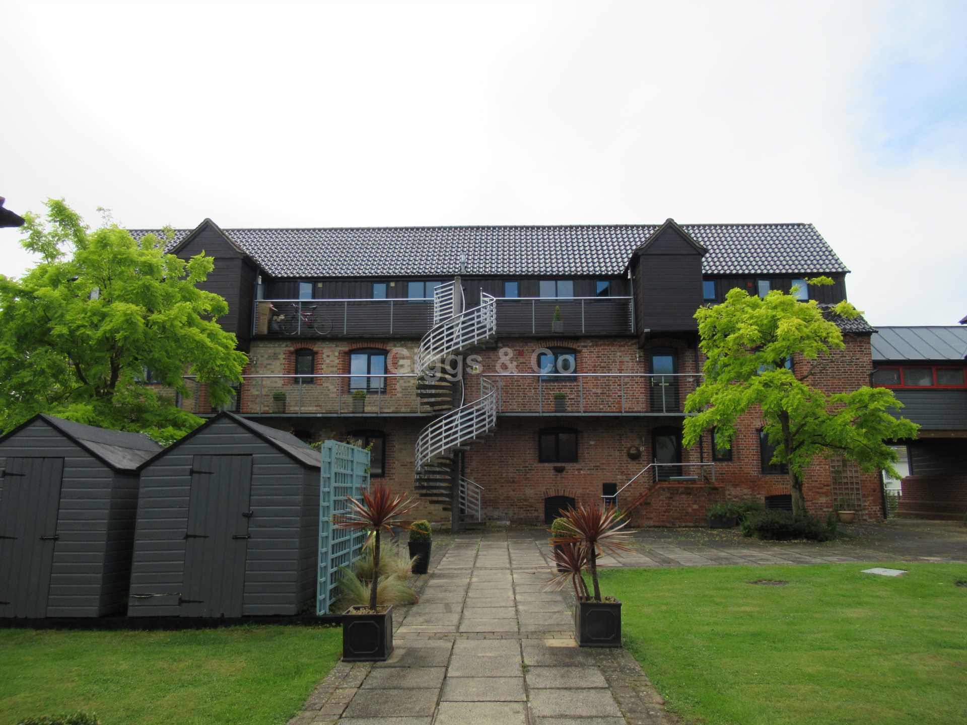 2 bed apartment to rent in Buckden, St Neots, PE19