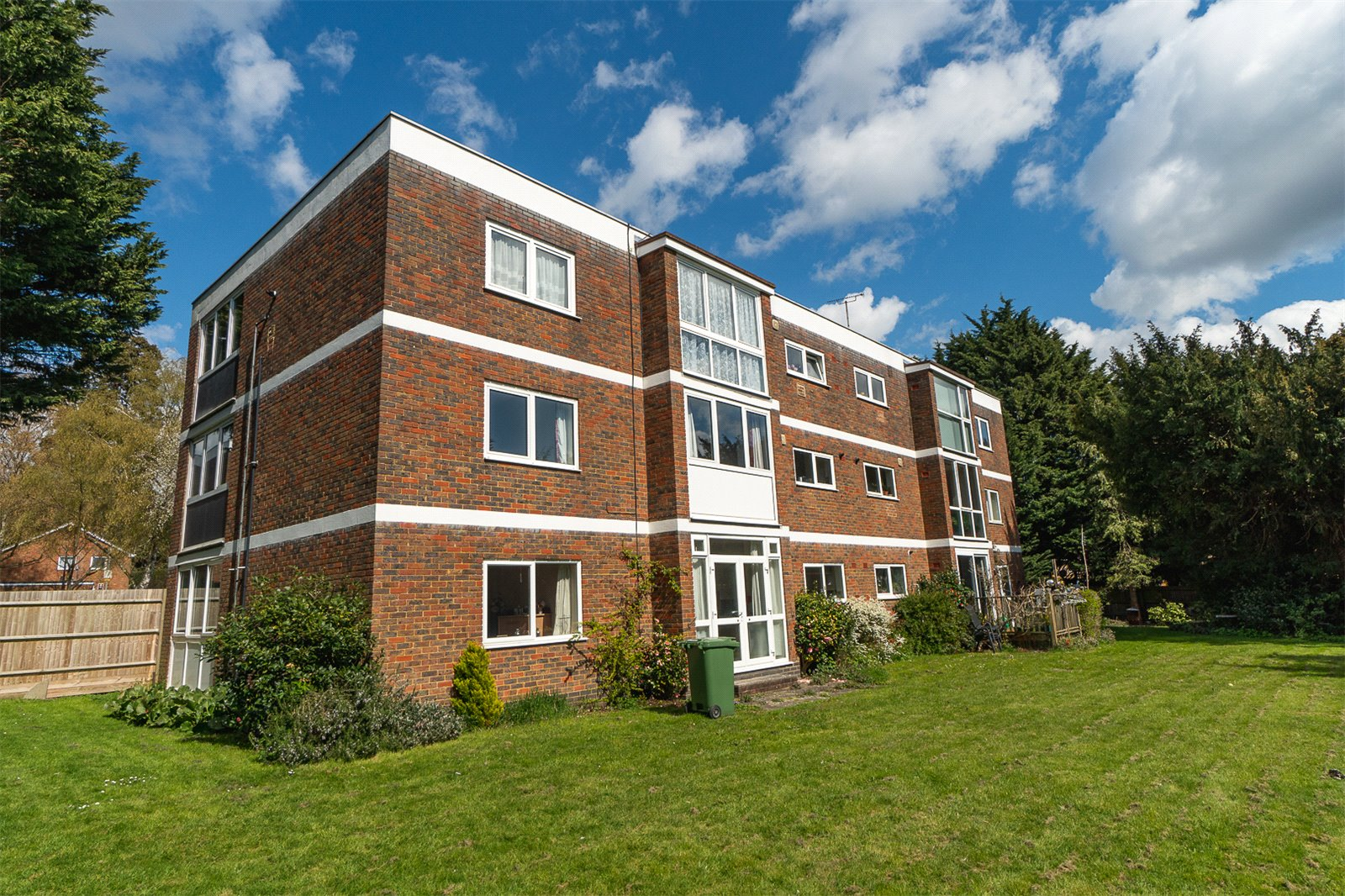 3 bed apartment for sale in Mulberry Court, Maidstone, ME14