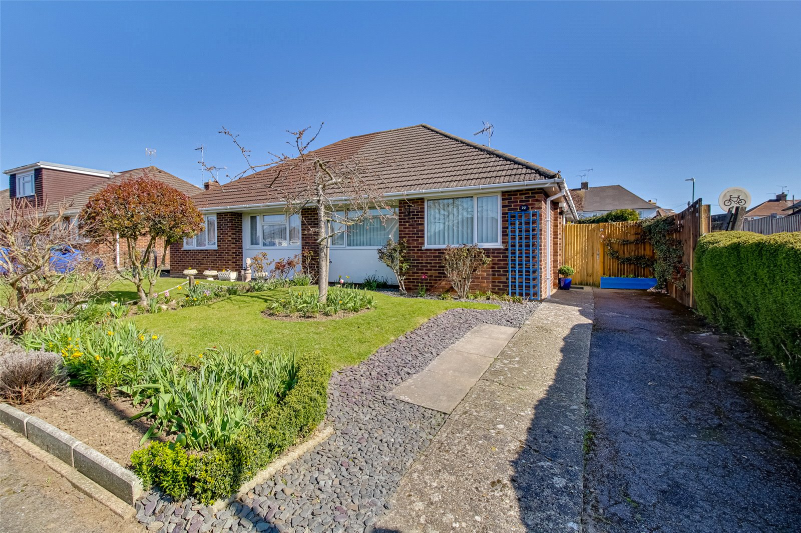 2 bed bungalow for sale in Bramley Crescent, Bearsted  - Property Image 1