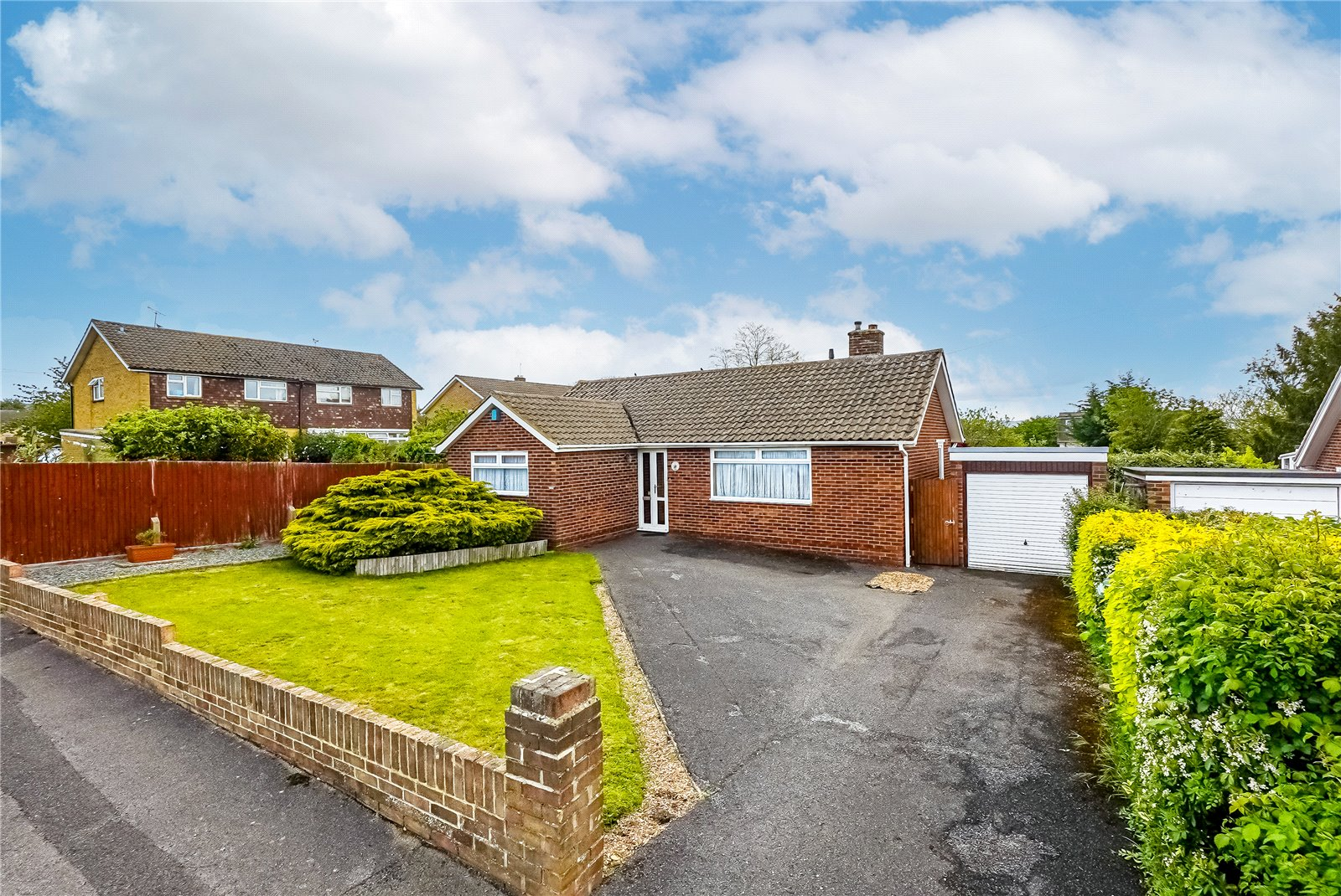3 bed bungalow for sale in Ridgway, Maidstone - Property Image 1