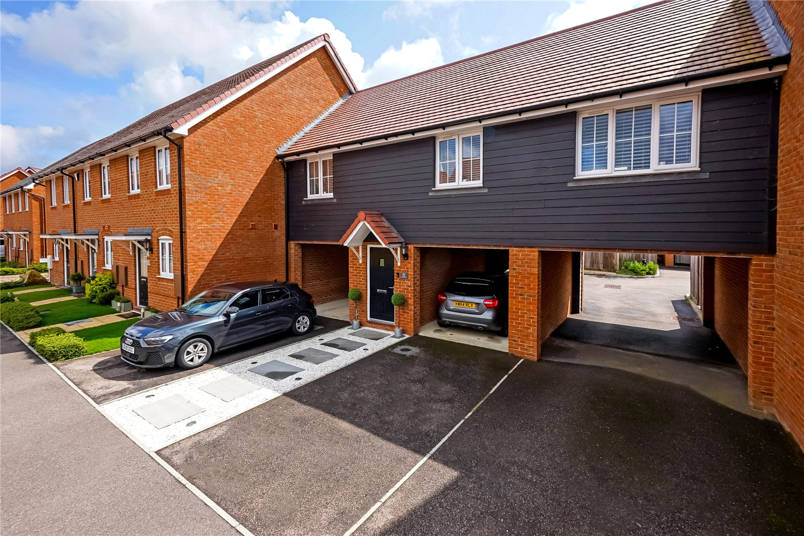 2 bed house for sale in Southfields Way, Harrietsham, ME17