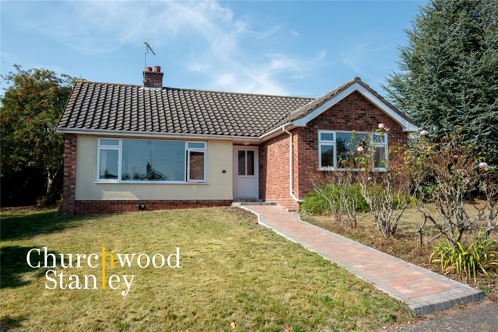 3 bed bungalow for sale in Valley Close, Brantham, Manningtree, CO11