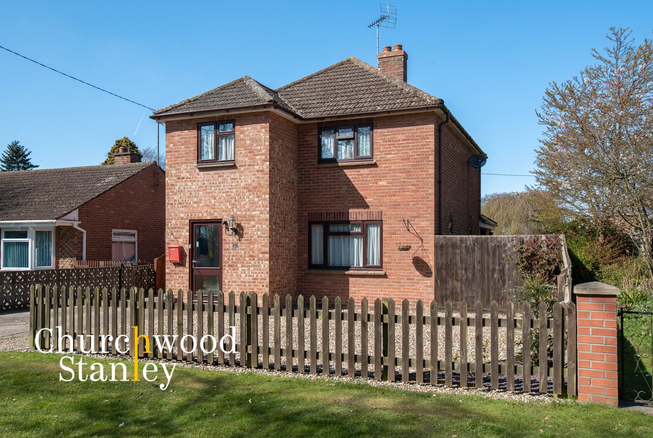 3 bed house for sale in Grange Road, Lawford, Essex, CO11