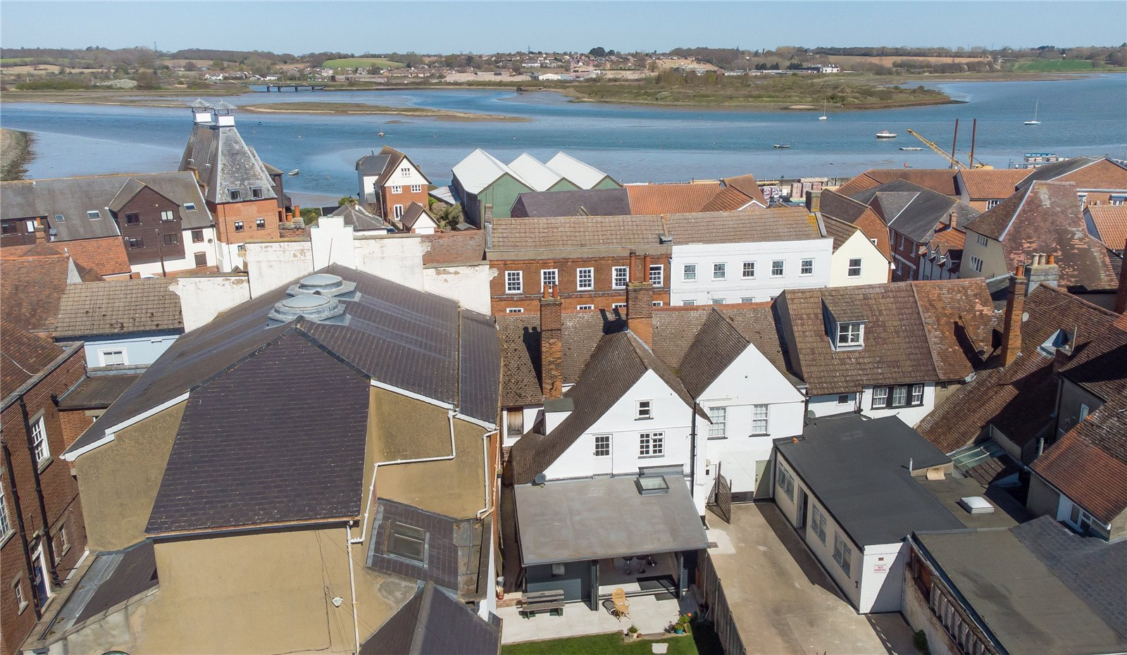 4 bed house for sale in High Street, Manningtree 1