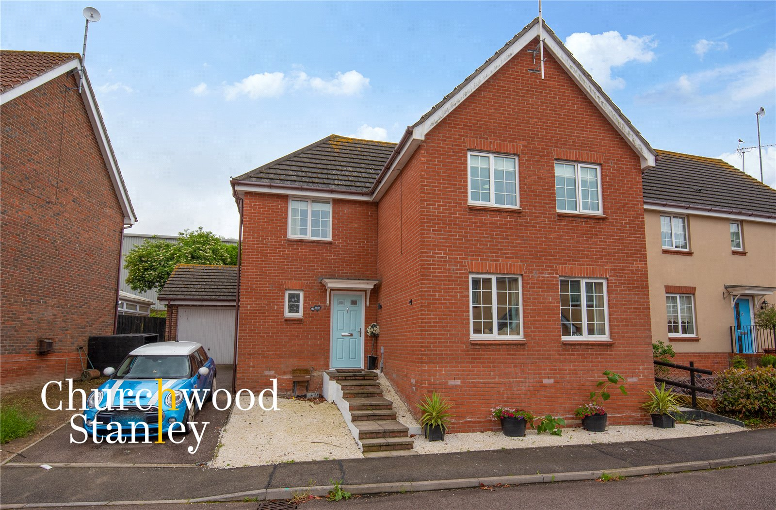 4 bed house for sale in Stour Close, Harwich, CO12