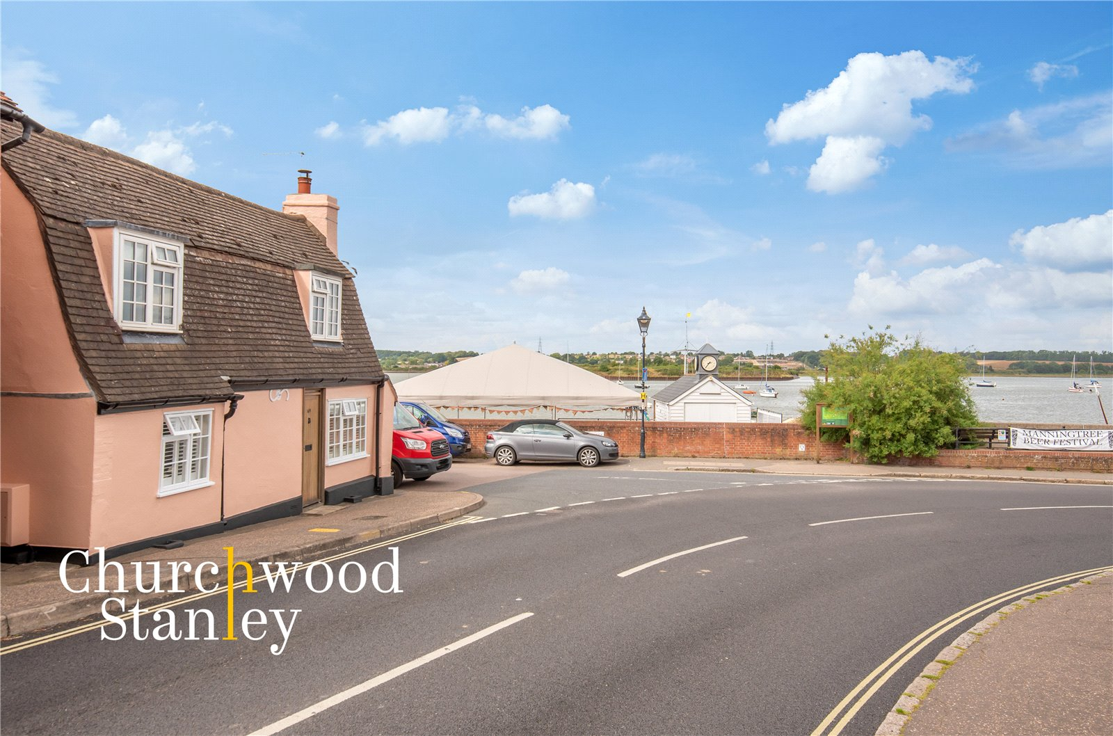 2 bed  to rent in High Street, Manningtree, CO11