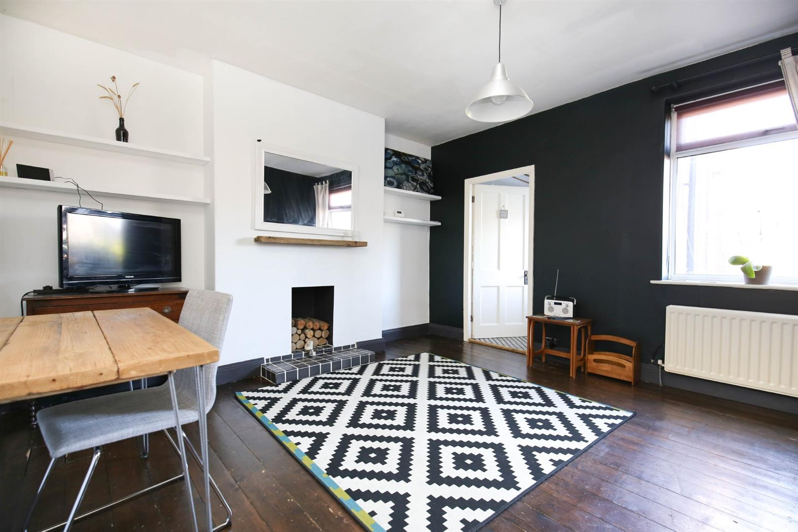 2 bed flat for sale in Newcastle Upon Tyne, NE6 2TH  - Property Image 1