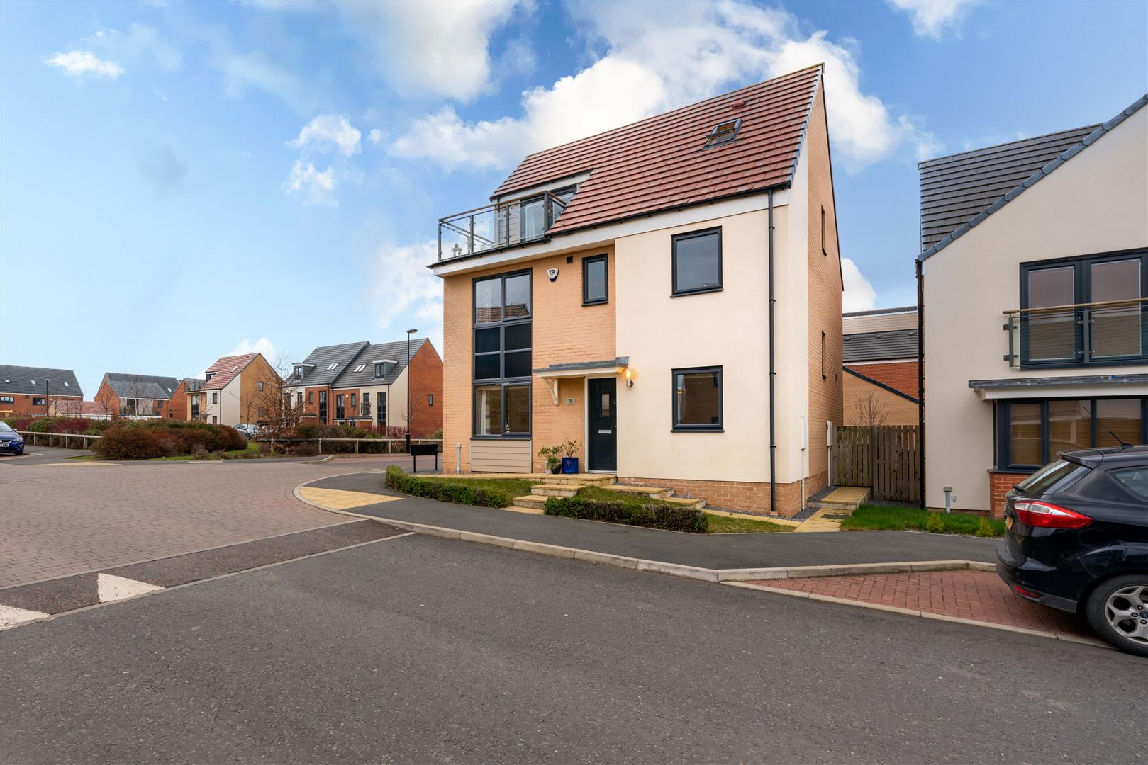 5 bed detached house for sale in Maynard Street, Great Park - Property Image 1