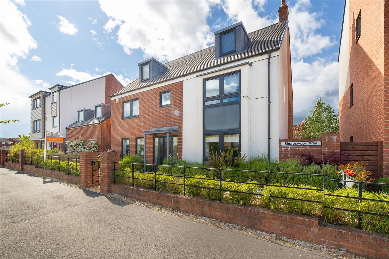 5 bed detached house for sale in Newcastle Upon Tyne, NE13 9AE  - Property Image 1